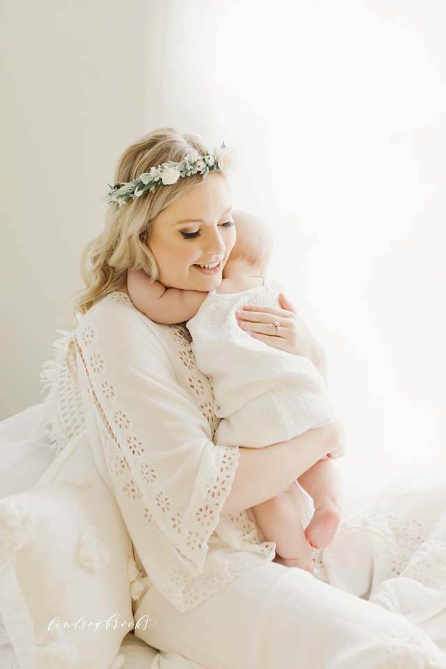 oklahoma_city_okc_mommy_and_me_motherhood_photographer_baby_child_flower_crown_halo_six_months_organic_simple_photos_5.png