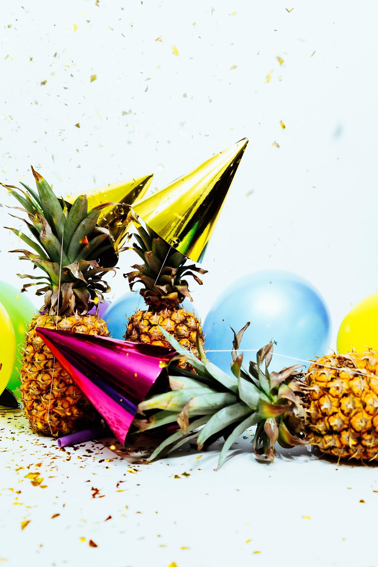 party - pineapple - hats.jpg