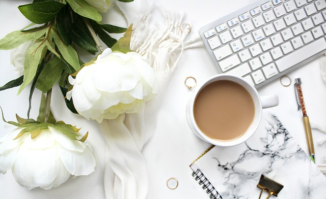 office inspiration, flowers, scents, decorations