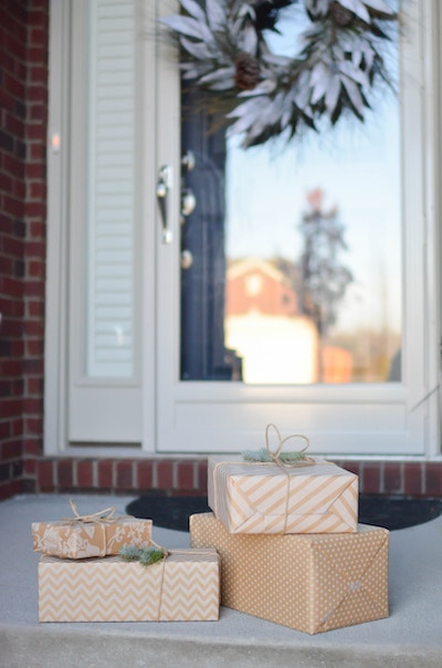 gifts, generosity, doorway