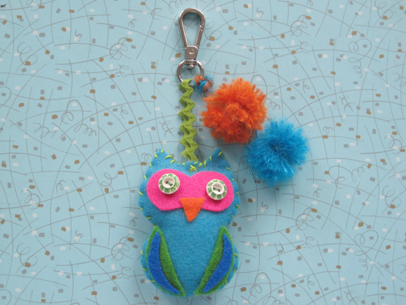 Charmed I'm Sure! -ages 7 and up - Are you ready to stand out from the crowd? Add a little pizzazz to your back pack with this