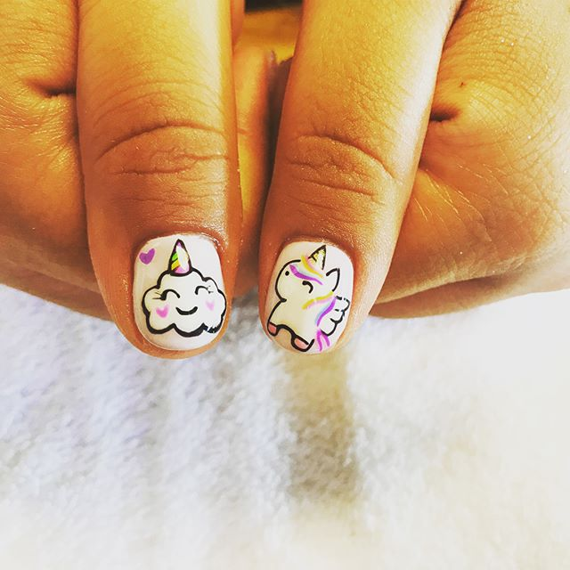 I'm so loving my little girl nails lol I love my nail artist @crazi_tracy always does an amazing job on the nail art #instagramnails#shortnailsdontcare#facialnails#selfcare#estheticianlife#unicorns🦄#glitternails#naildesign
