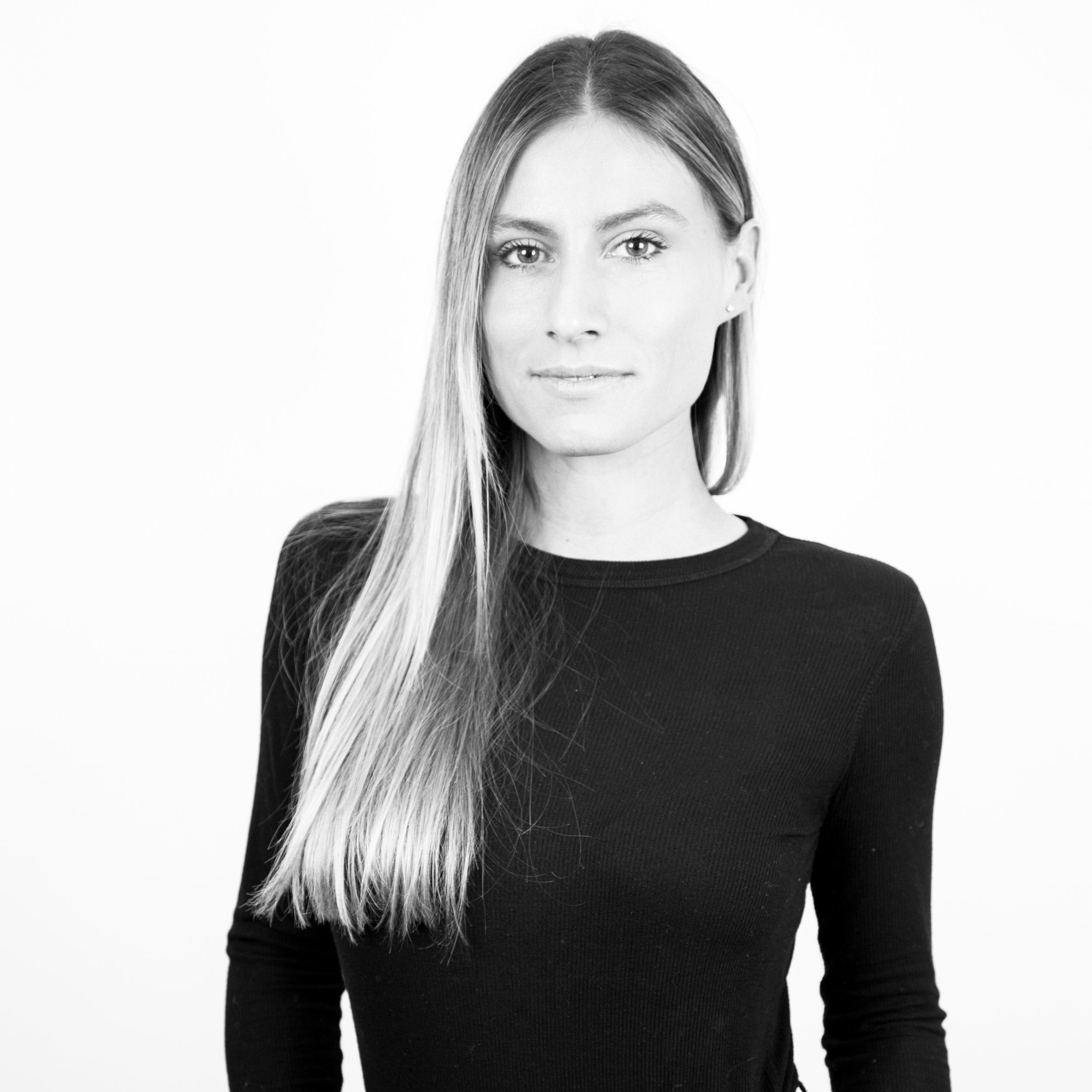 Kerri Lisa  Director of Travel