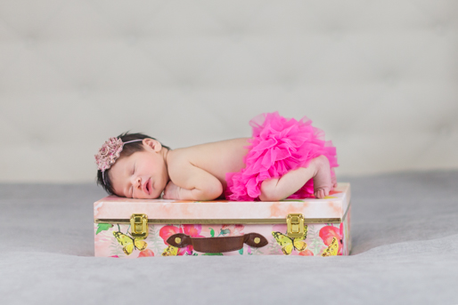 In Home Newborn Photography Session--13.jpg