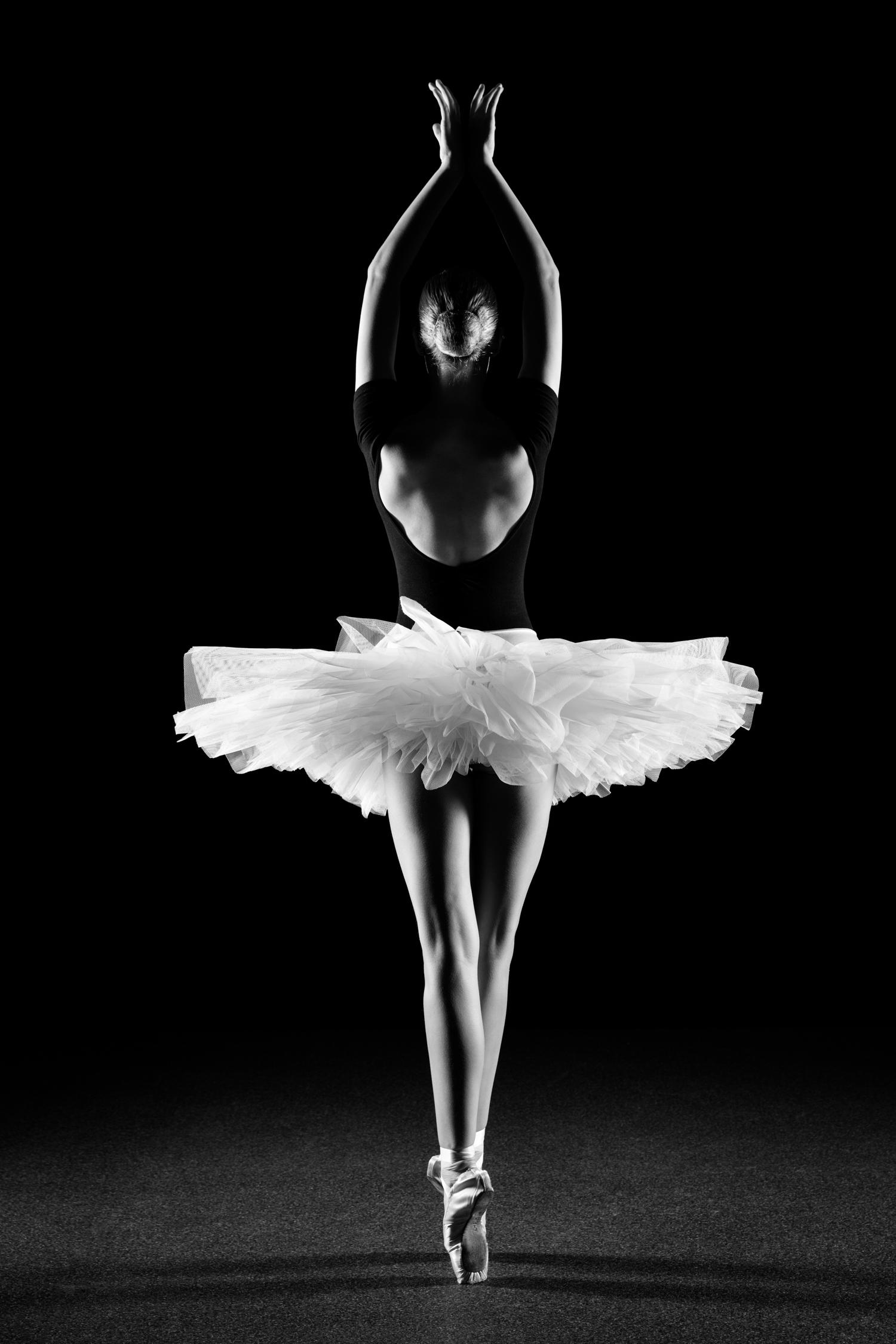 0578 Lisa-Marie Dance Shoot Studio ZW_W.jpg