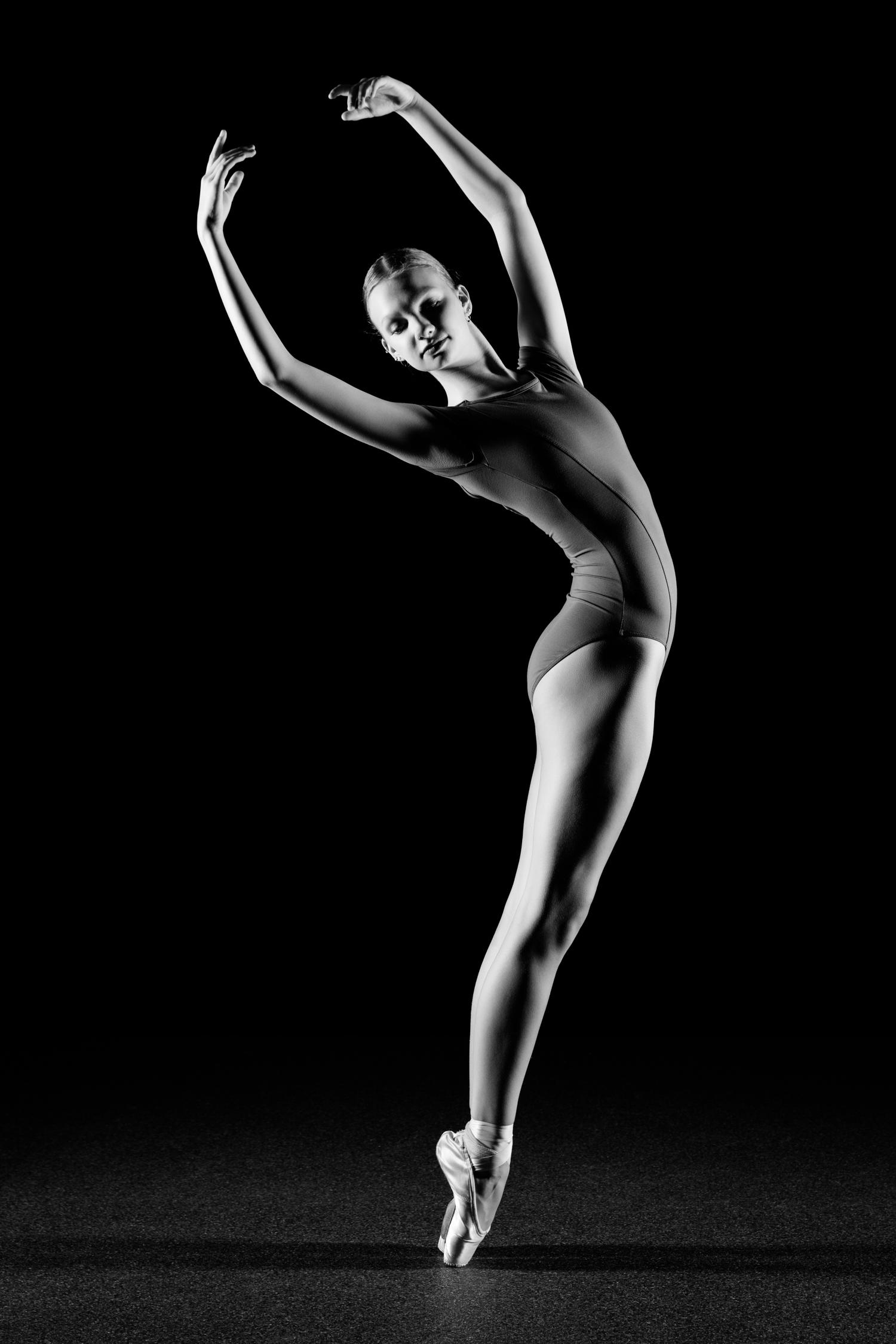 0507 Lisa-Marie Dance Shoot Studio ZW_W.jpg