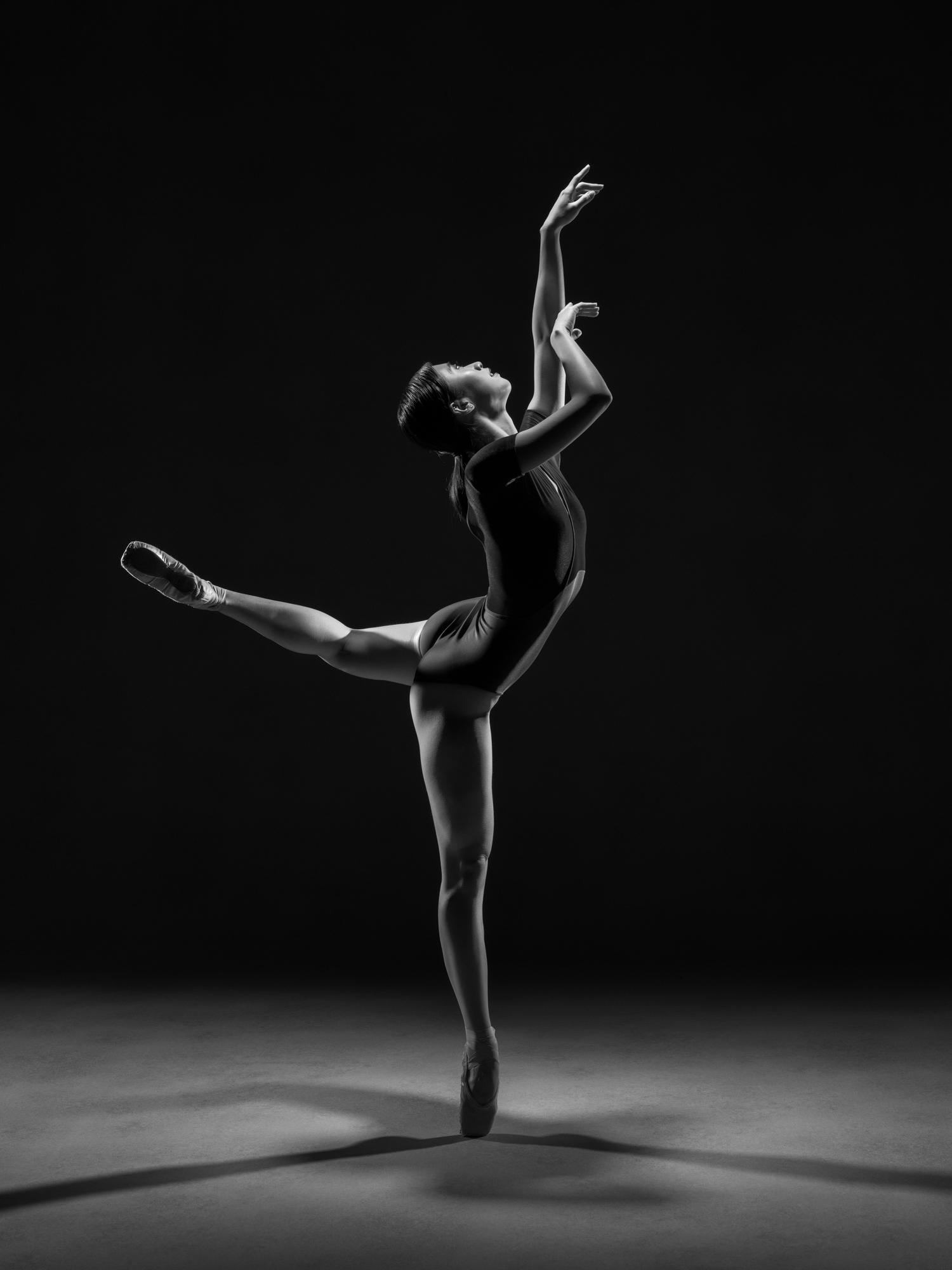 0071 Ruka & Enrico Dance Shoot Studio B_W.jpg