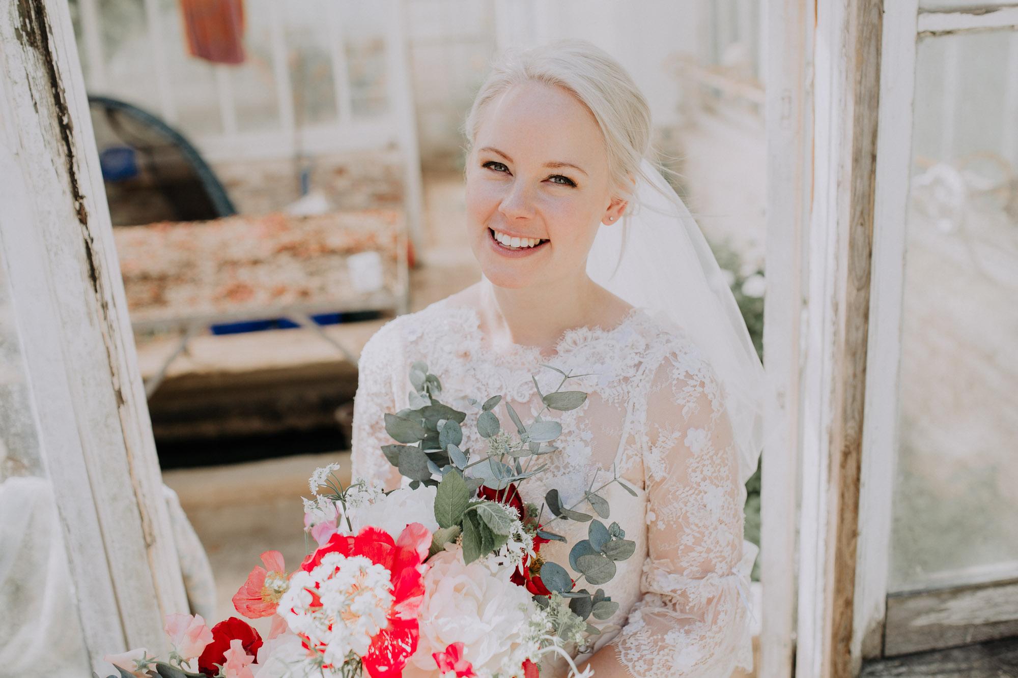 platinum blonde bride white veil