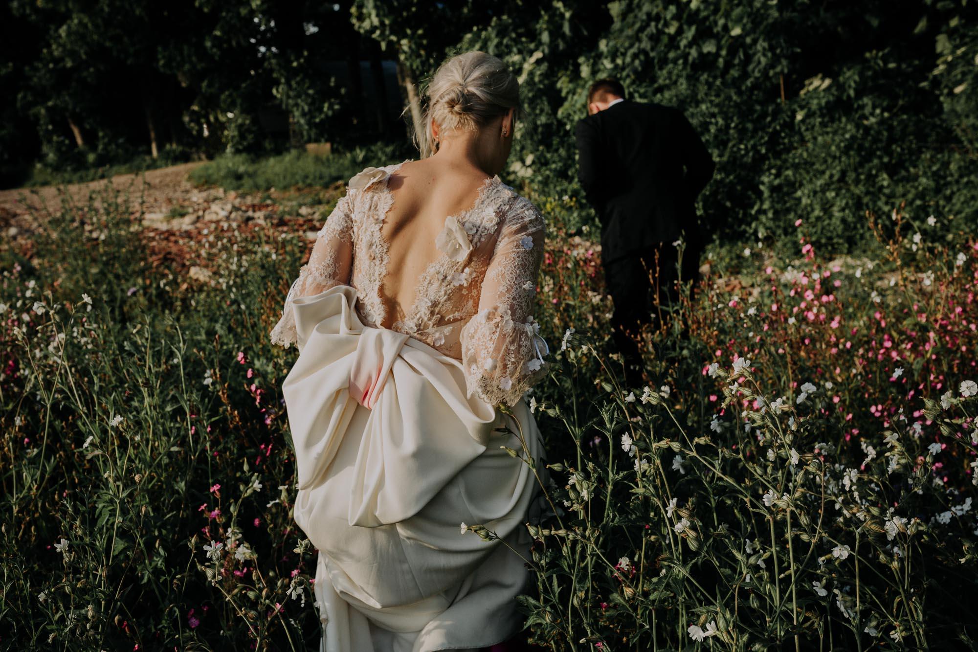 backless wedding dress, giant bow