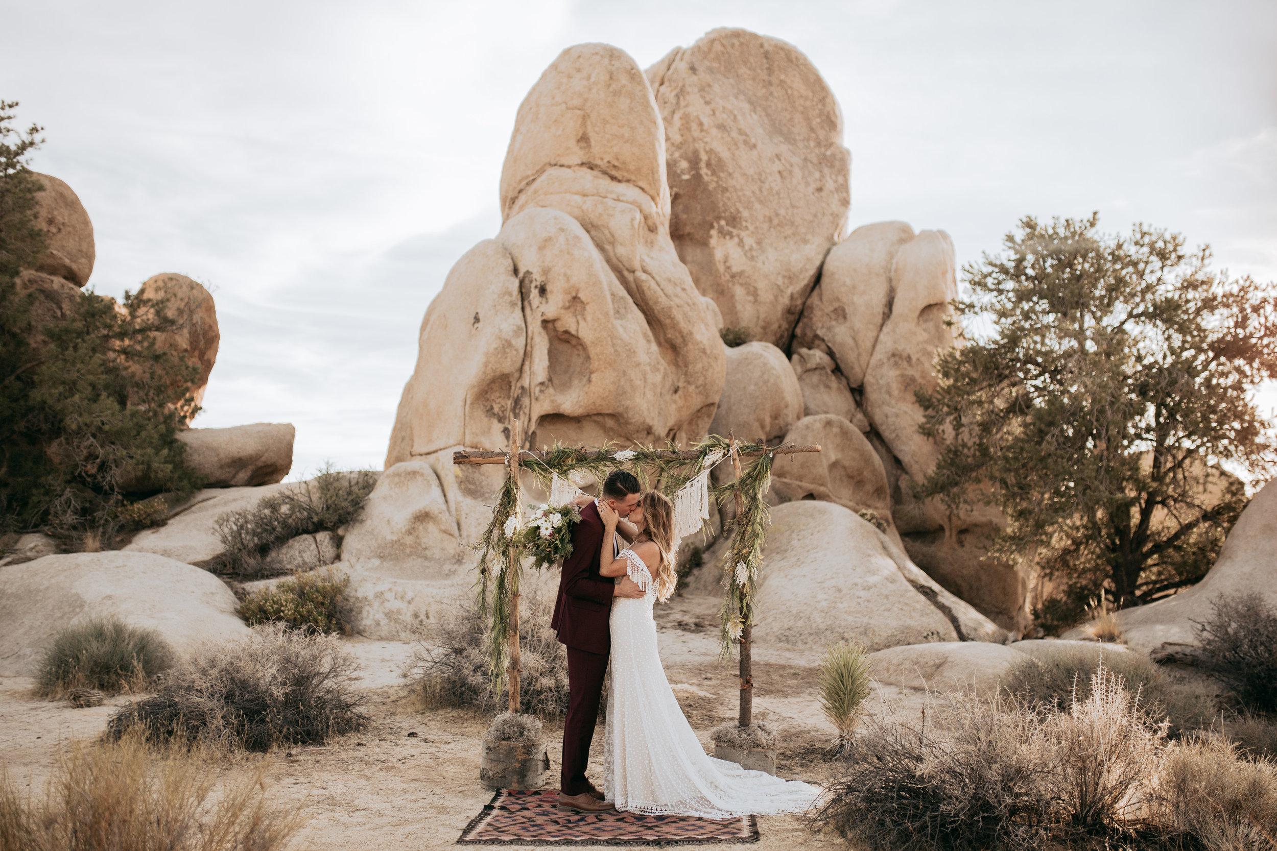 palmsprings_joshuatree_california_wedding_photographer-13.jpg
