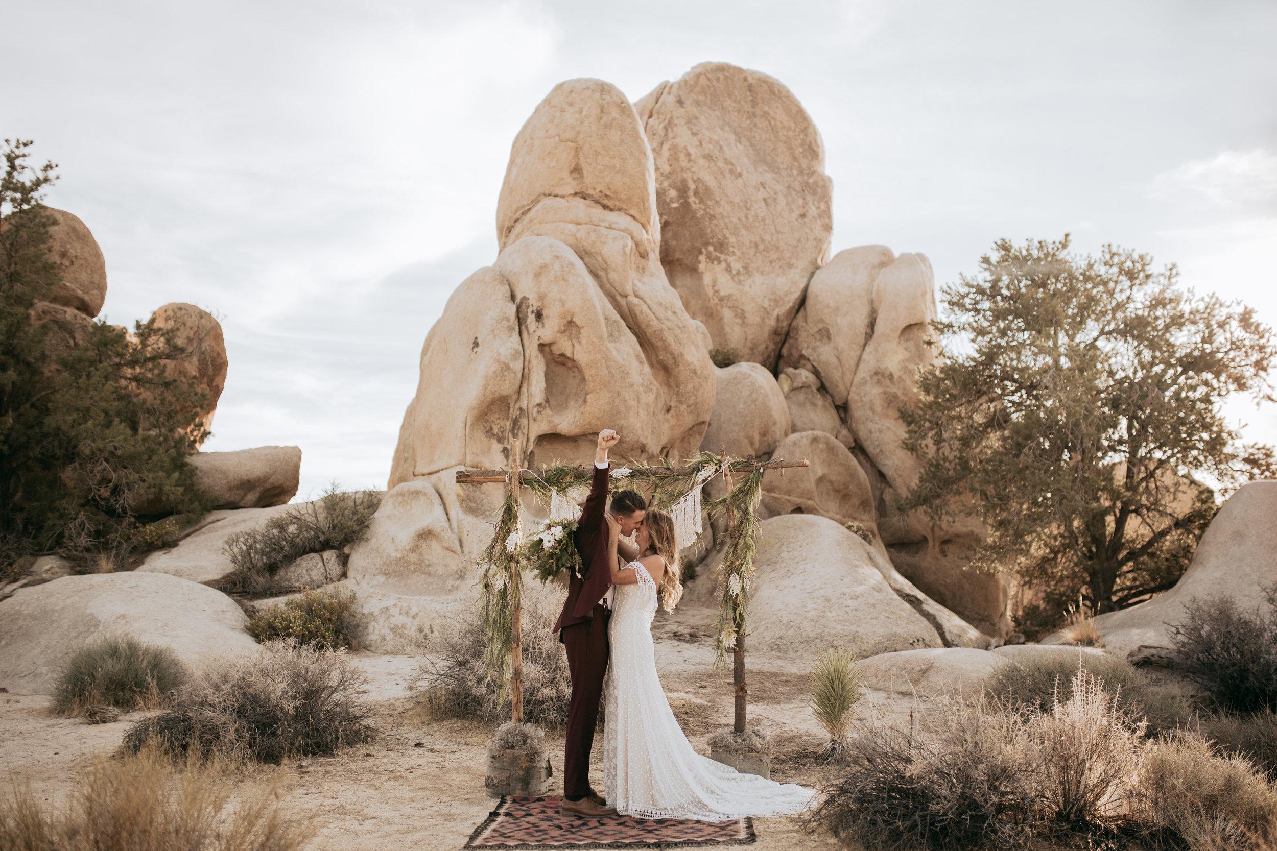 palmsprings_joshuatree_california_wedding_photographer-14.jpg