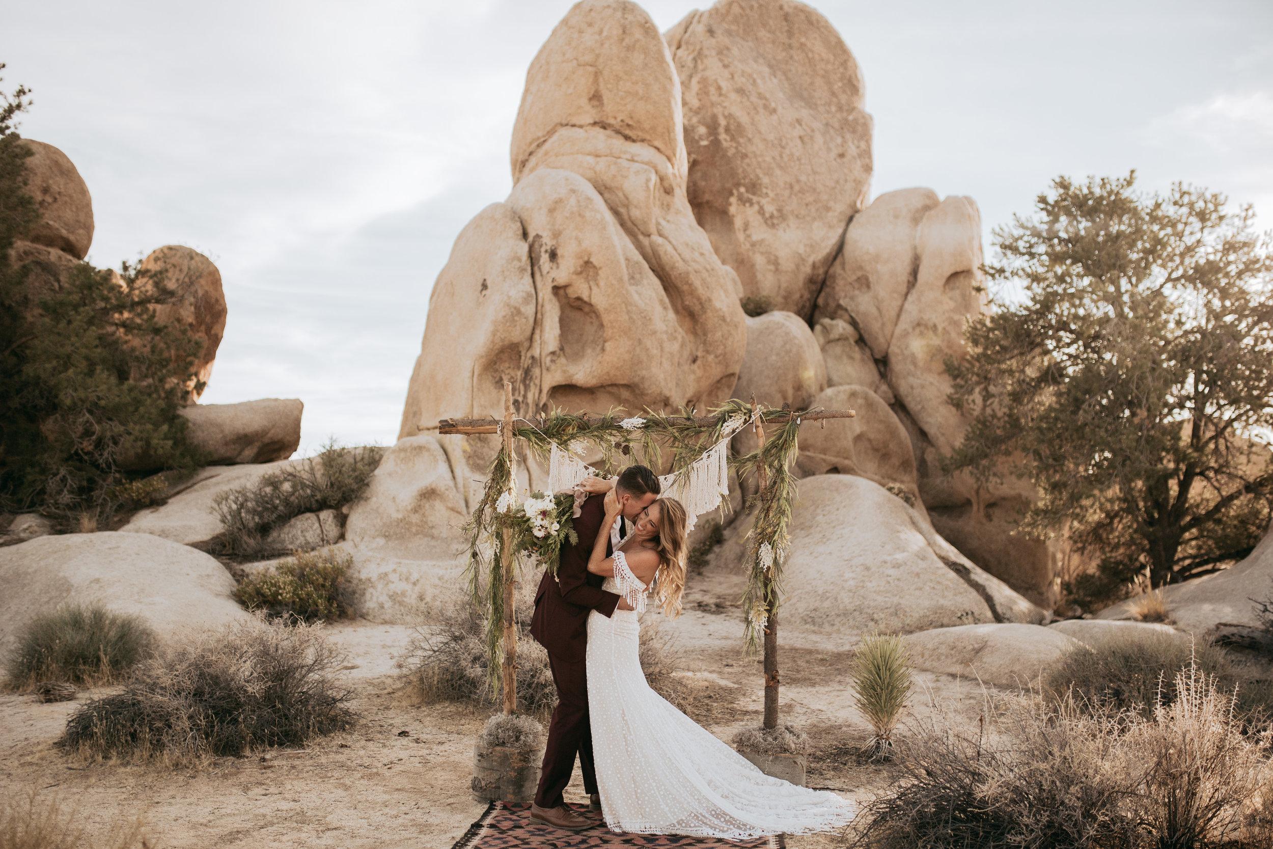 palmsprings_joshuatree_california_wedding_photographer-16.jpg