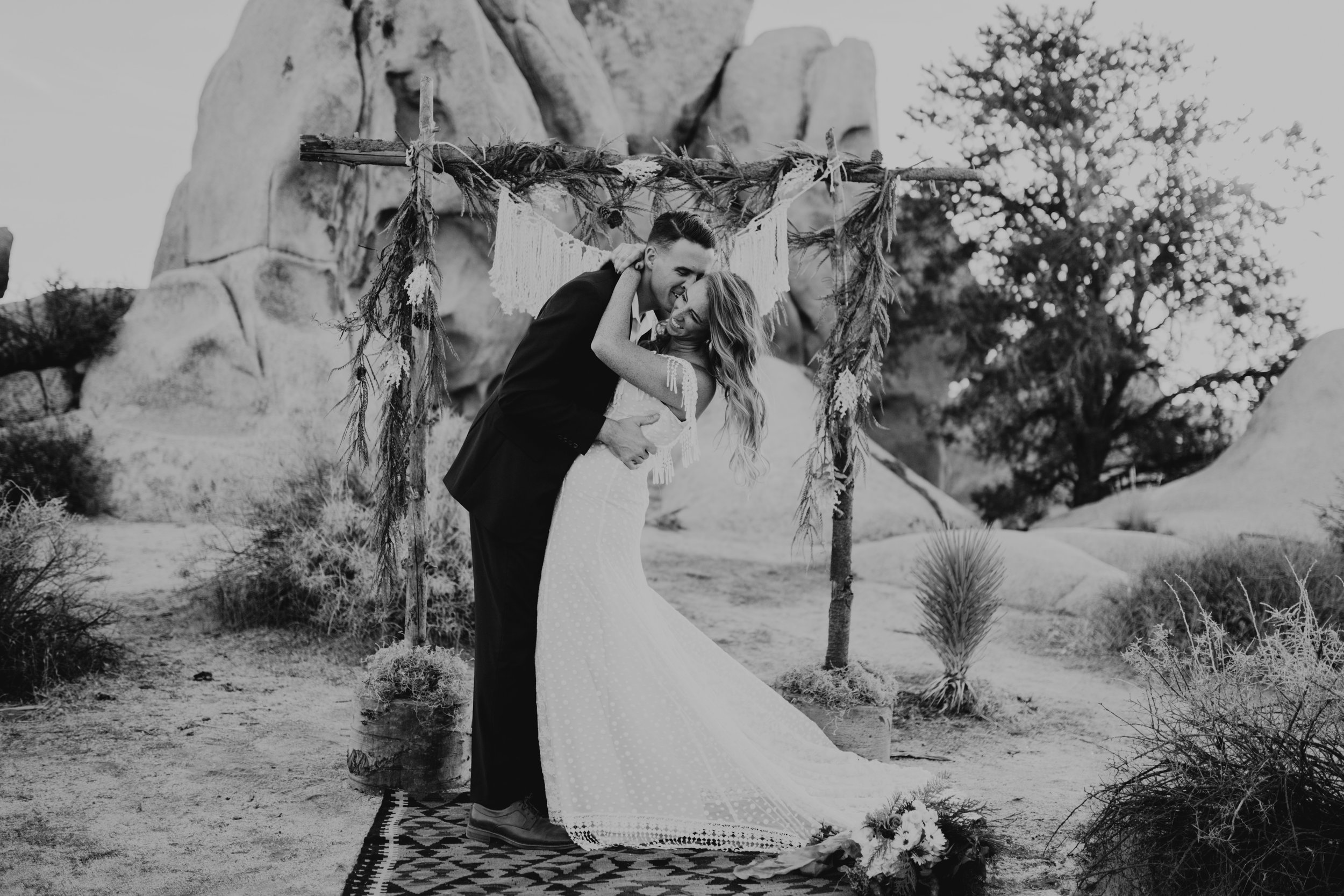palmsprings_joshuatree_california_wedding_photographer-17.jpg