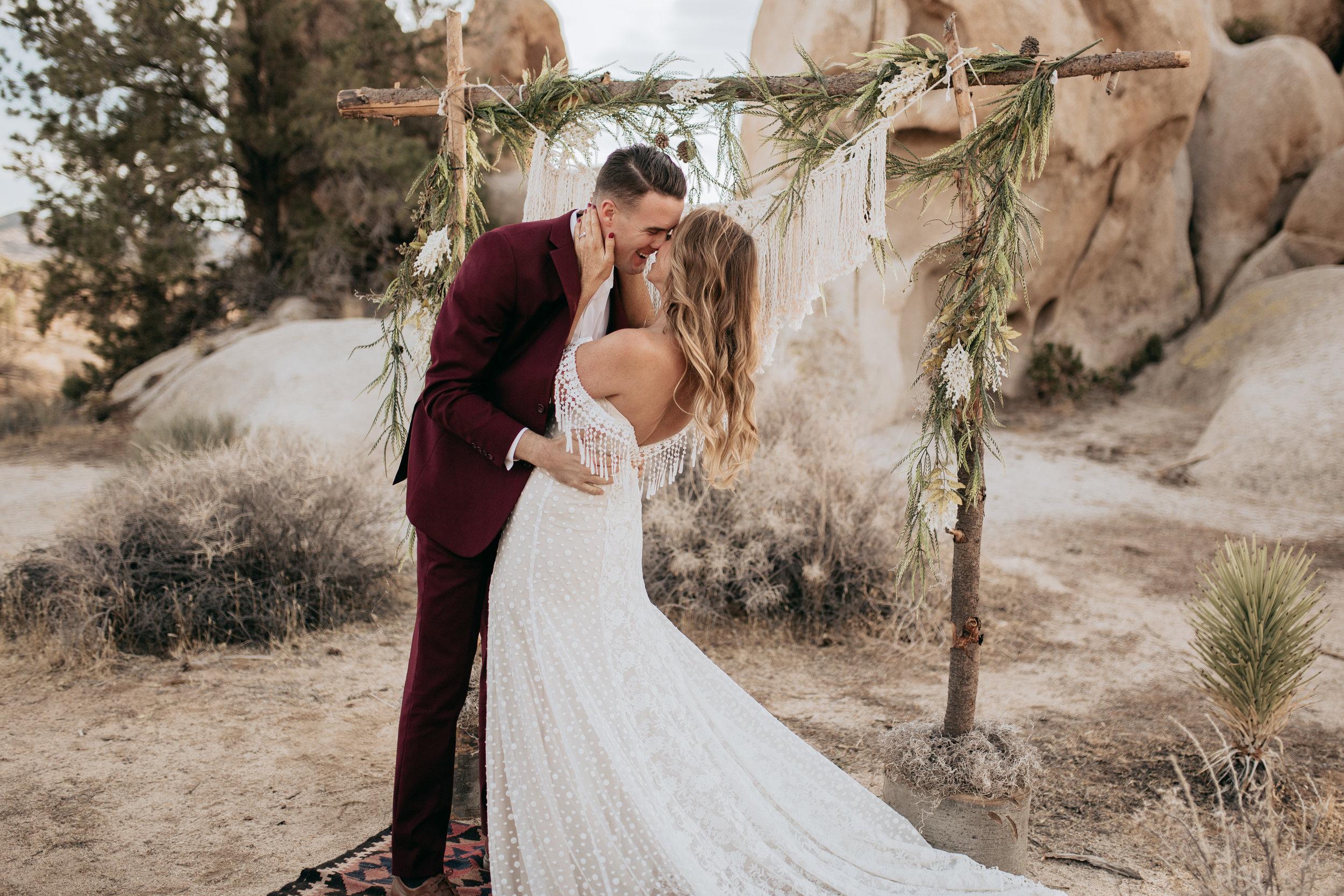 palmsprings_joshuatree_california_wedding_photographer-18.jpg