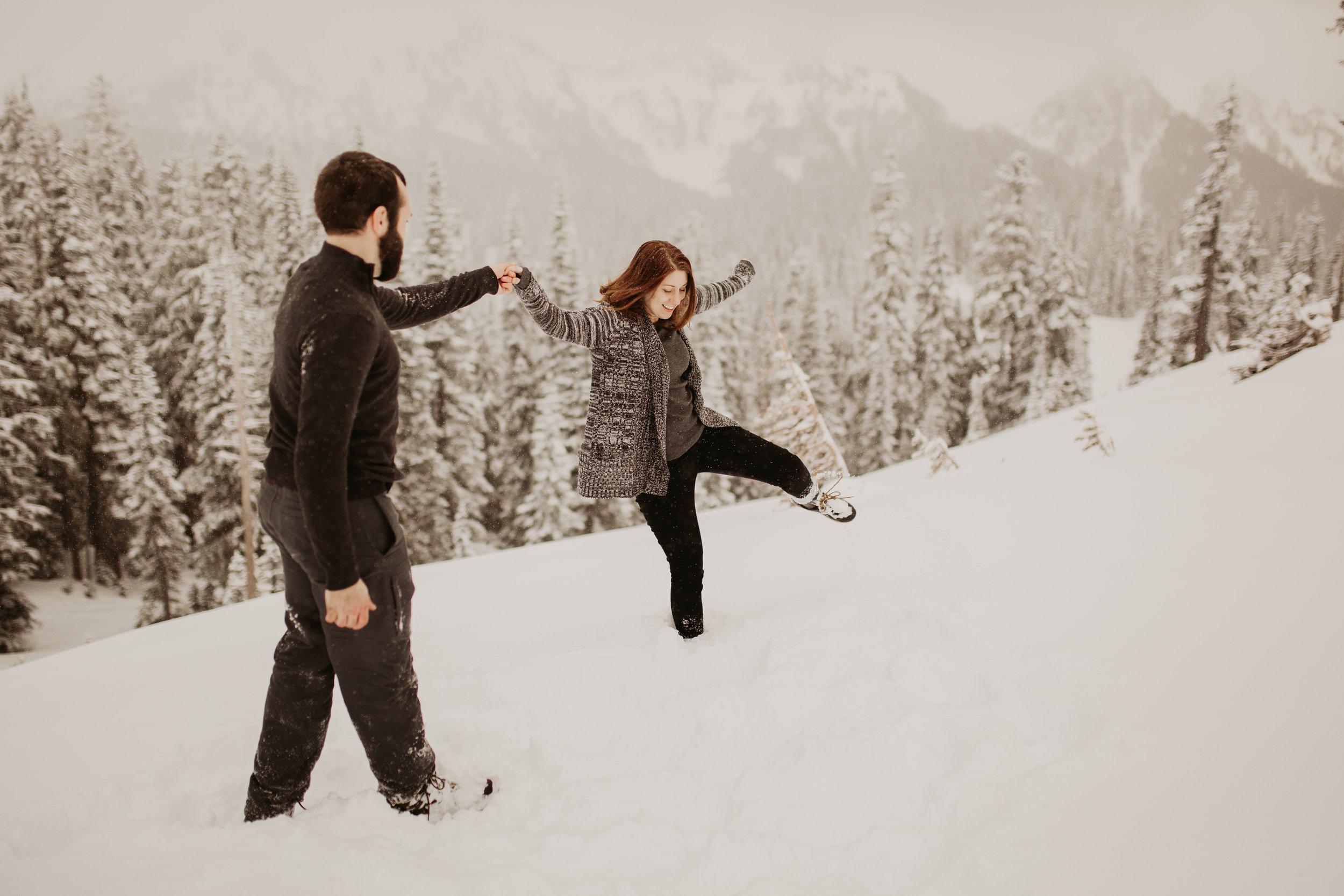 pnw_washington_oregon_elopement_mount_rainer_engagement_wedding_photographer04.jpg