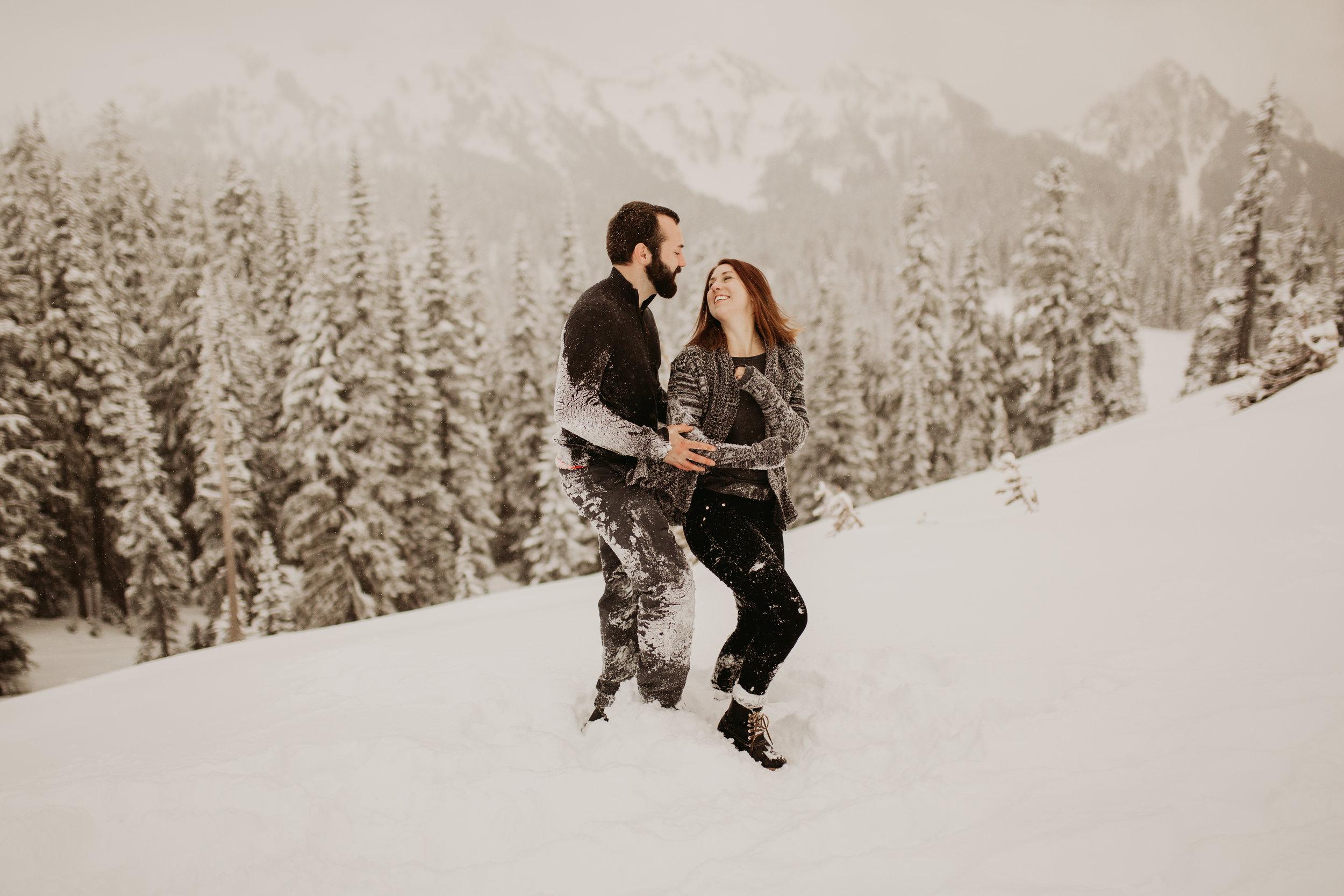 pnw_washington_oregon_elopement_mount_rainer_engagement_wedding_photographer11.jpg