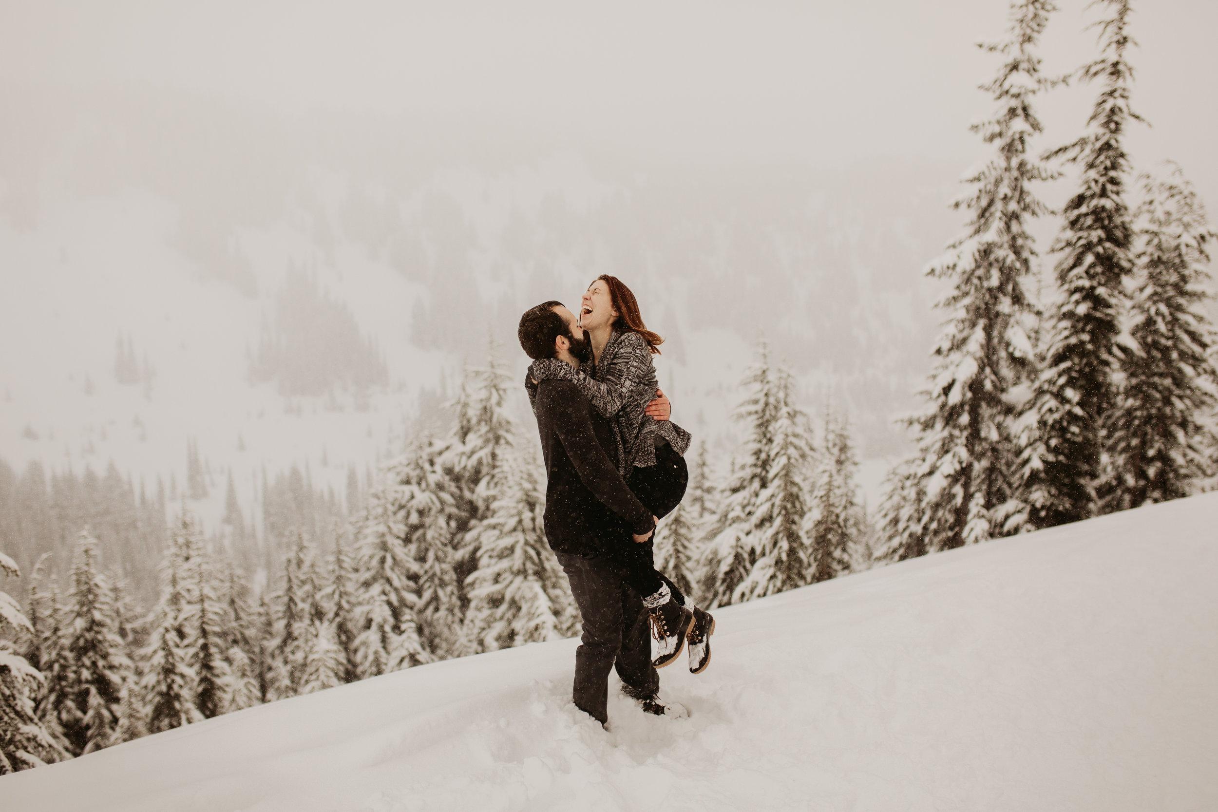 pnw_washington_oregon_elopement_mount_rainer_engagement_wedding_photographer18.jpg