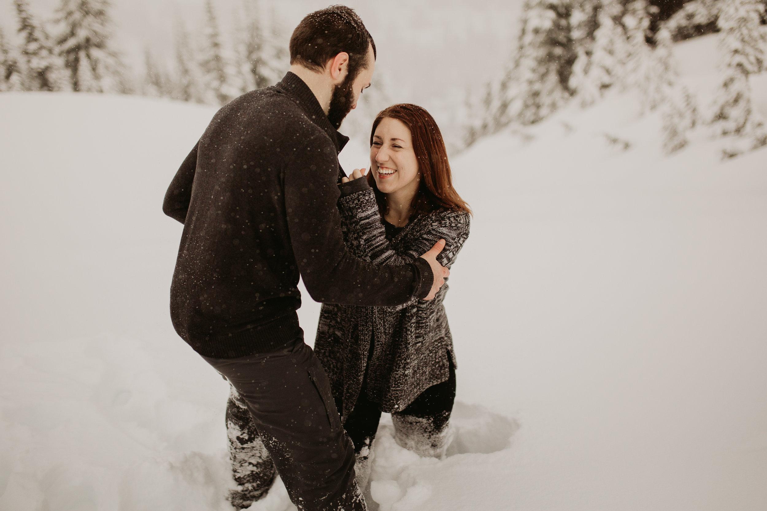pnw_washington_oregon_elopement_mount_rainer_engagement_wedding_photographer25.jpg