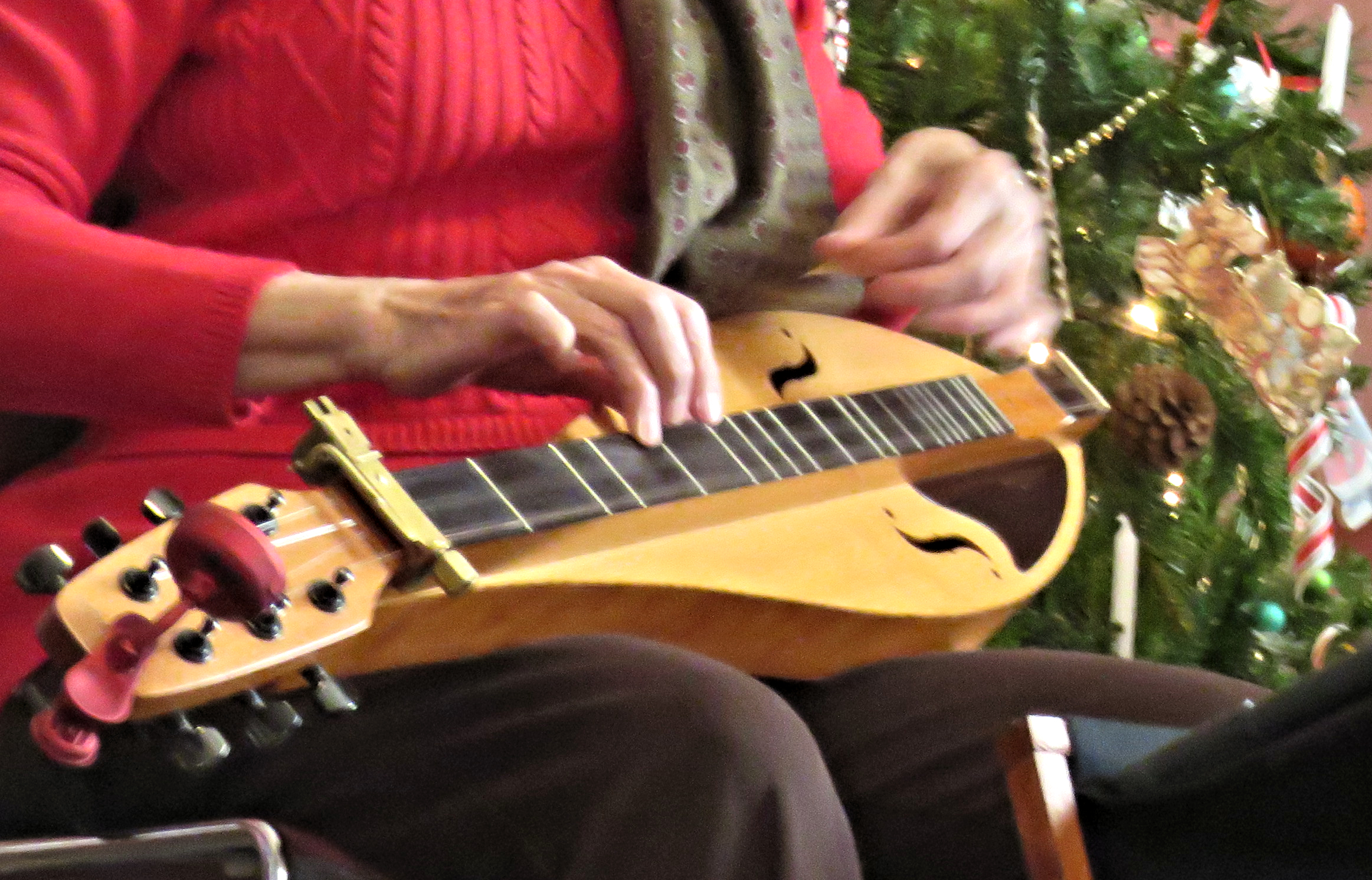 12.2.2017 Judy B. Dulcimer CU Two Rivers.jpg