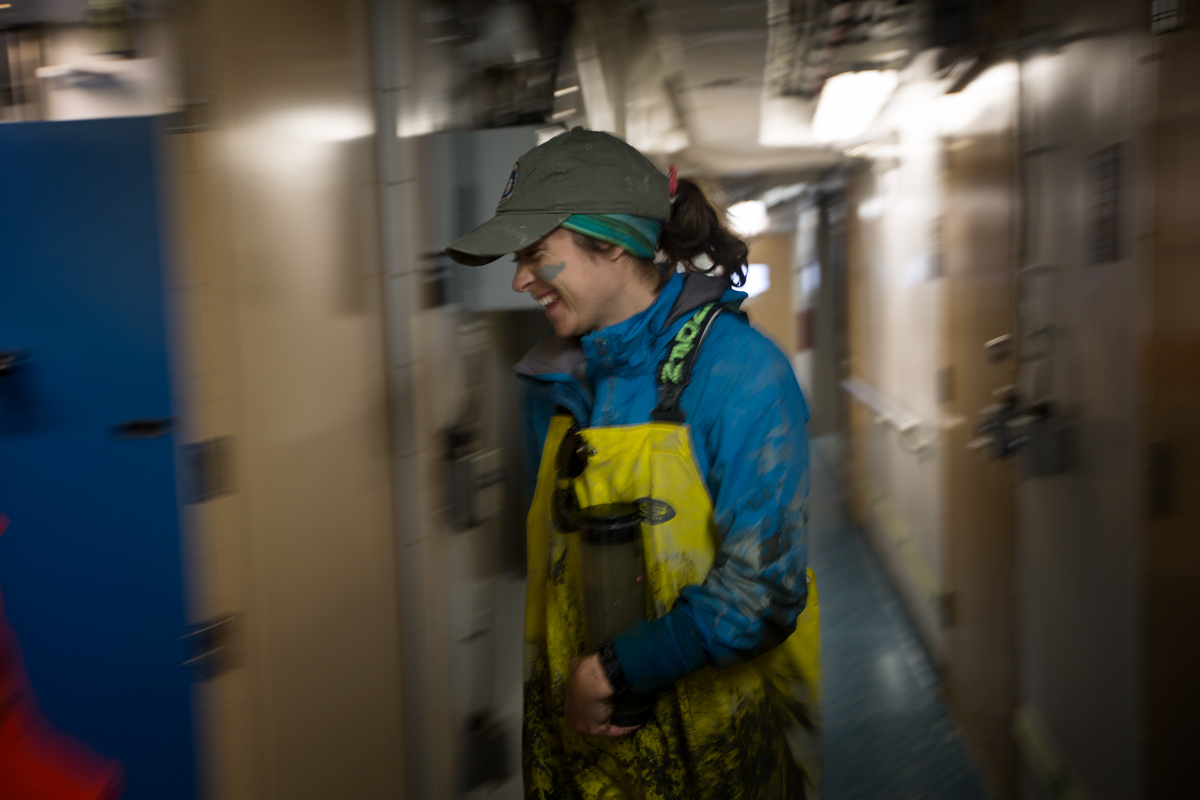 Scurrying through the lab hallway after sampling. Photo credit: Brendan Smith
