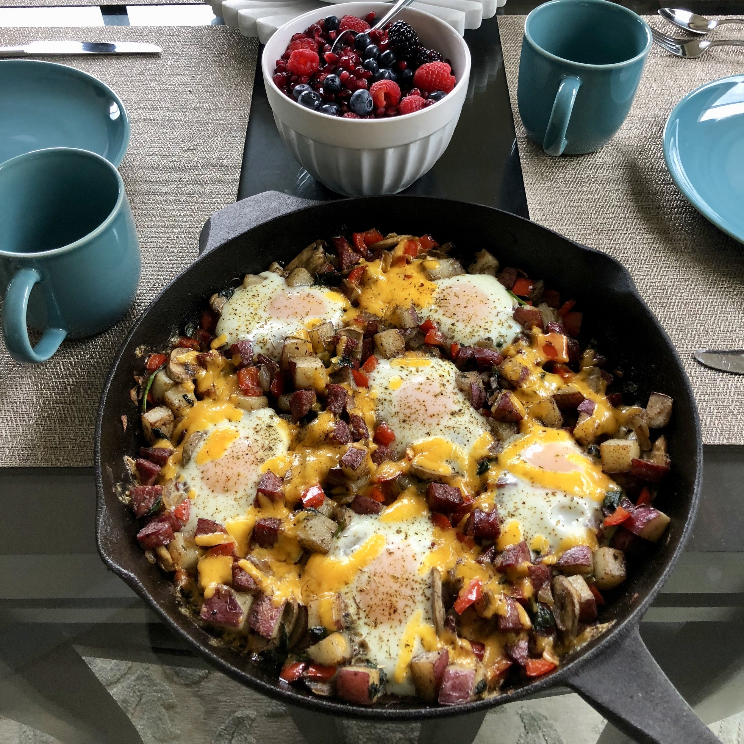 How good does this look? I first made this breakfast skillet for some of my dear friends visiting us from New York and it was a hit!