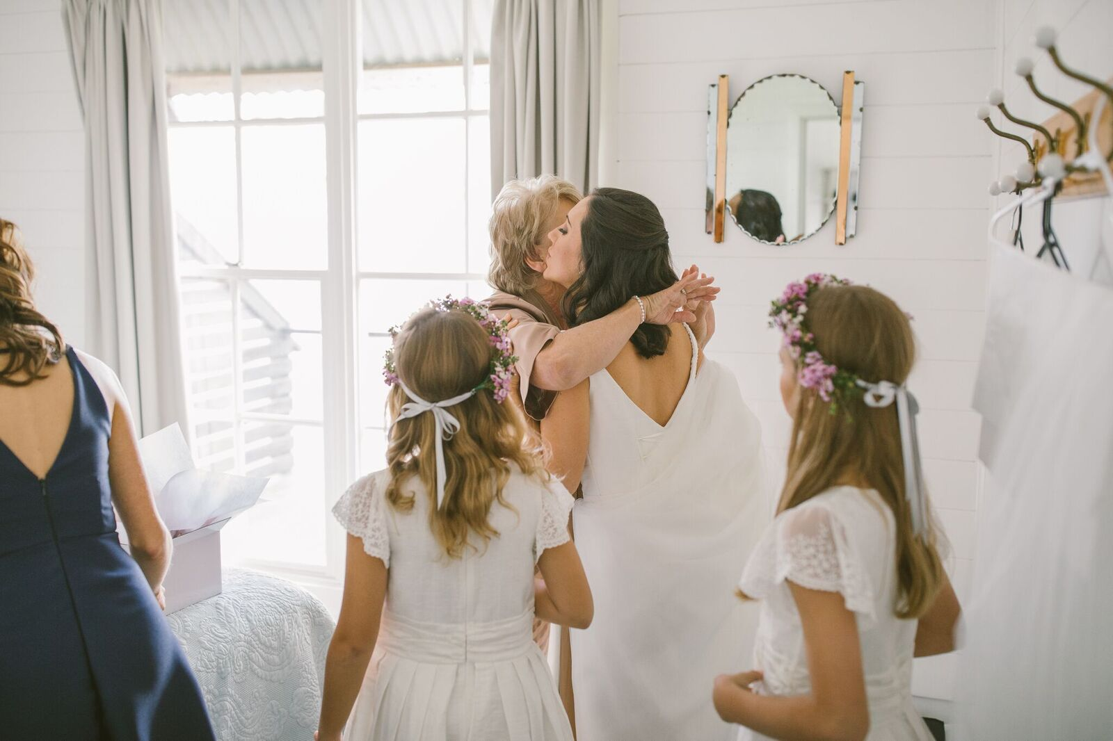 Bride and flower girls before the wedding
