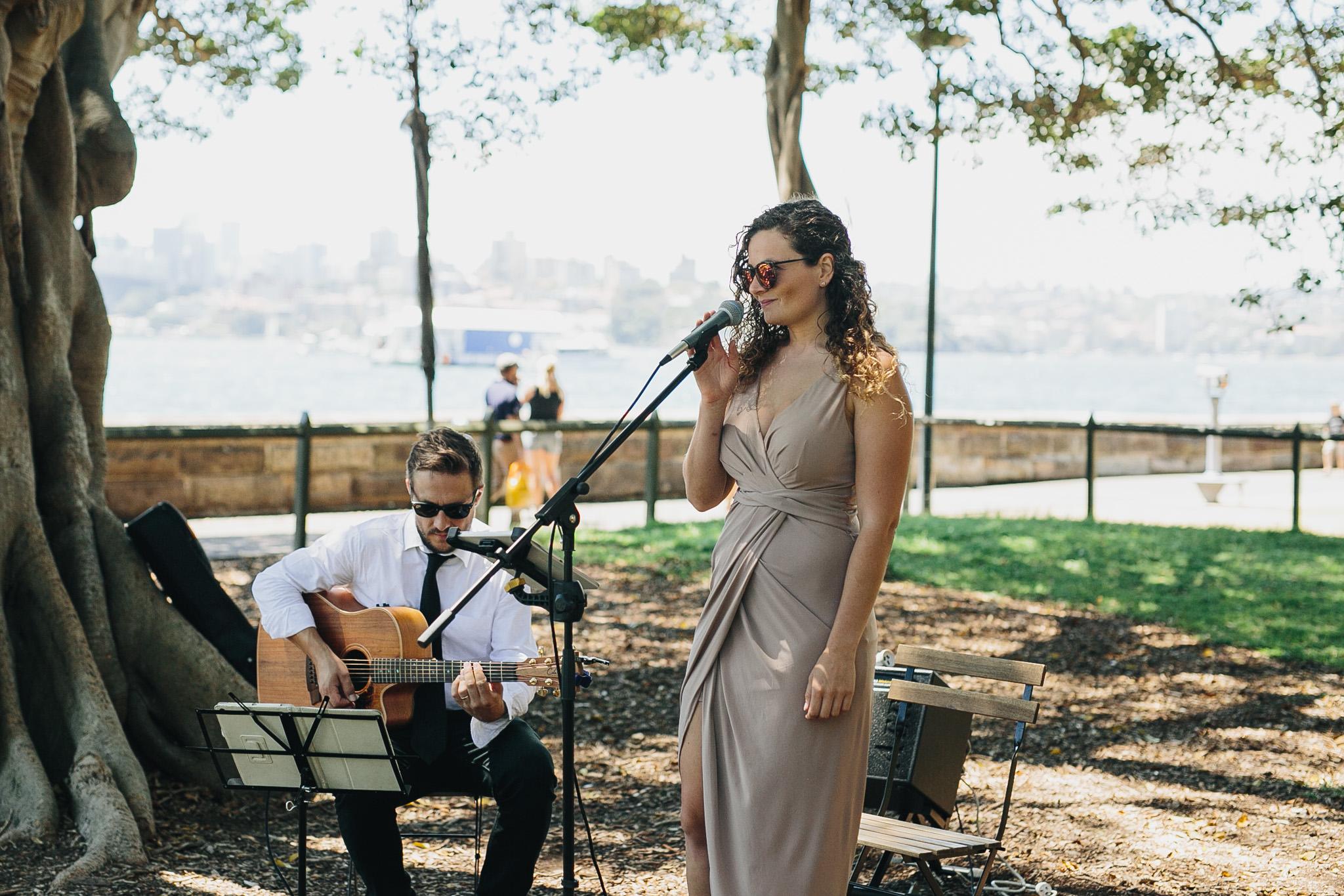 Wedding singer at The Sydney Botanic Gardens Harbour View Lawn. Wedding planning by Samantha Burke Events.