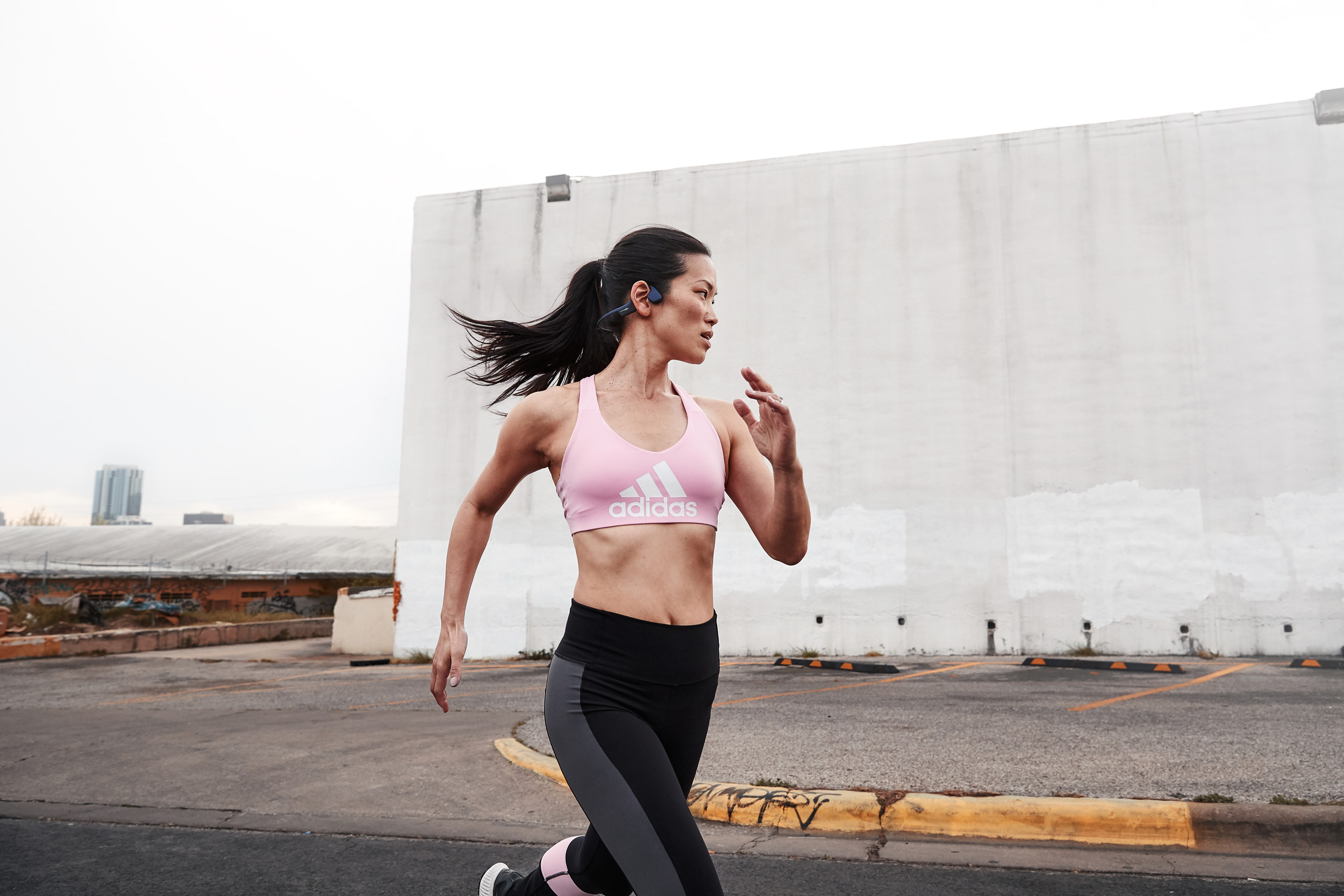 aftershokz-runner-woman-austin.jpg