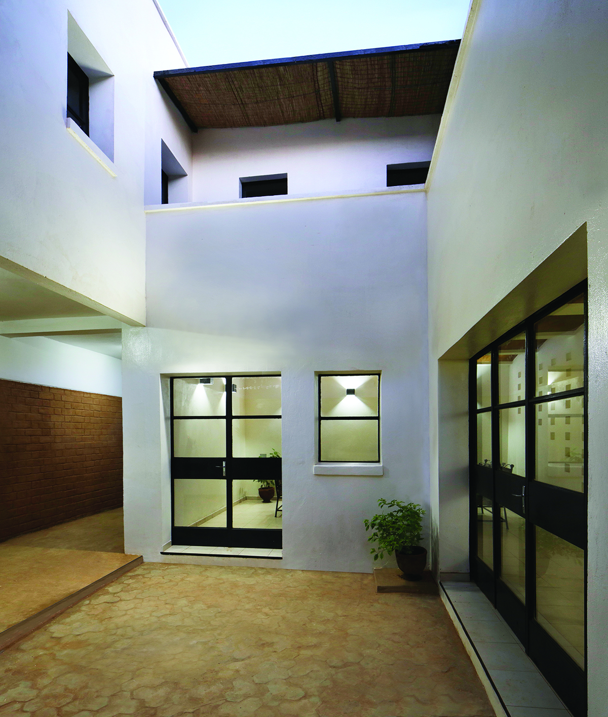 Courtyard living©united4design sm.jpg