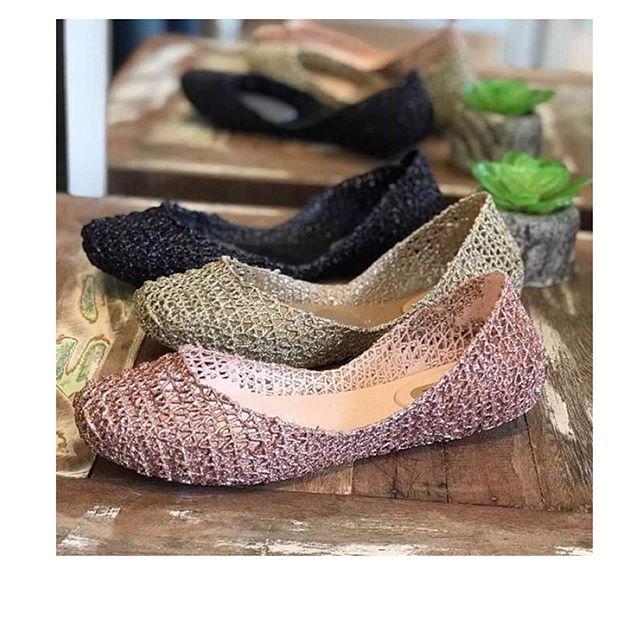 大人気でこれからの暖かい季節にぴったりのメリッサ CAMPANA!4色展開で残りわずかだから今がチャンス!! #melissa #melissashoes #melissashoesjapan #iheartokyo