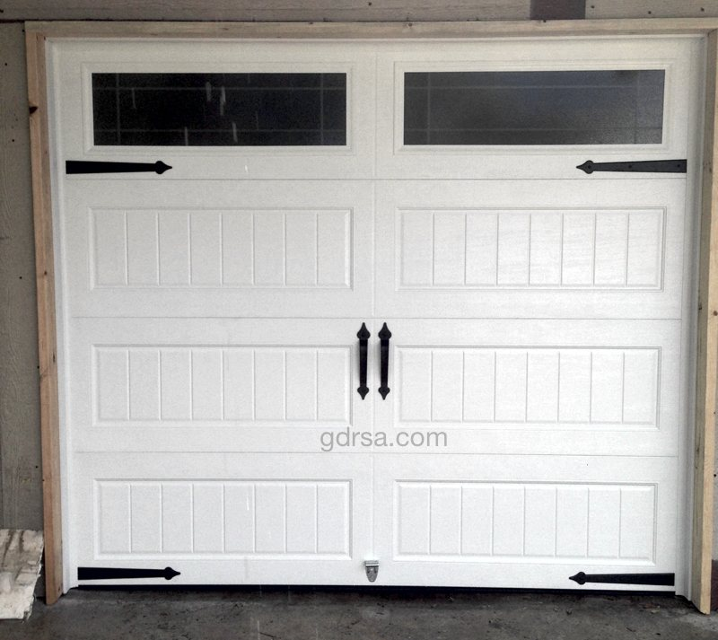 Size: 8x7   Collection: Amarr Oak Summit   Color: White   Style: Long Panel Bead Board    Windows: Long Panel - Prairie DecraGlass    Decorative Hardware: Castle Rock Magnetic