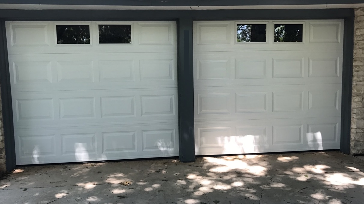 Size: 8x7   Collection: Amarr Stratford   Color: White   Style: Short Panel   Windows:  Two in Center, slot 2 & 3