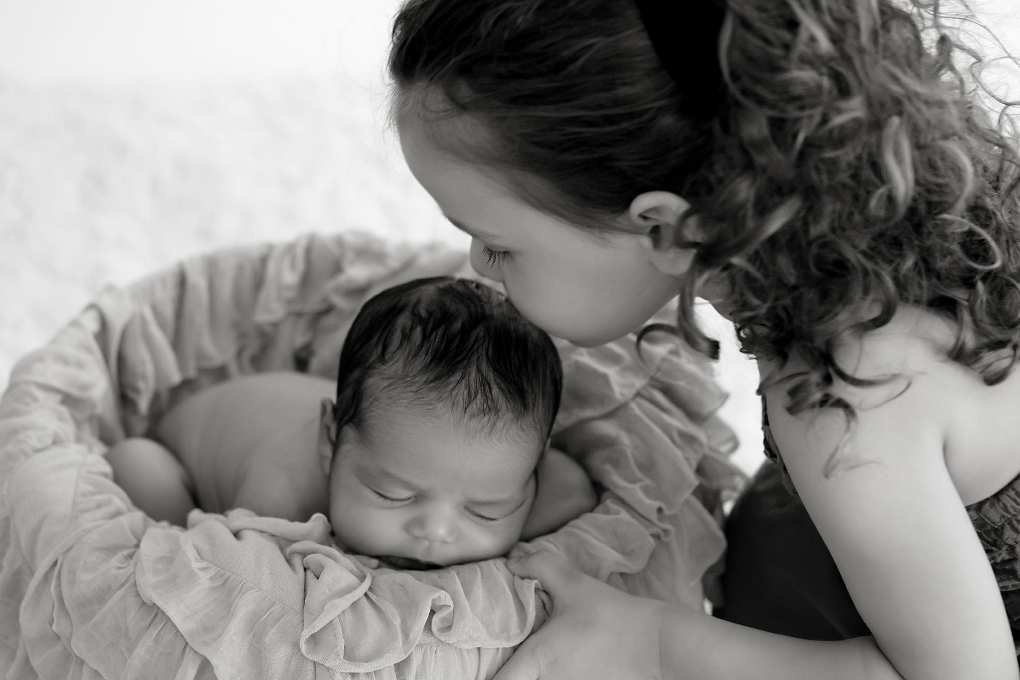 Toronto Newborn Photographer 26.jpg