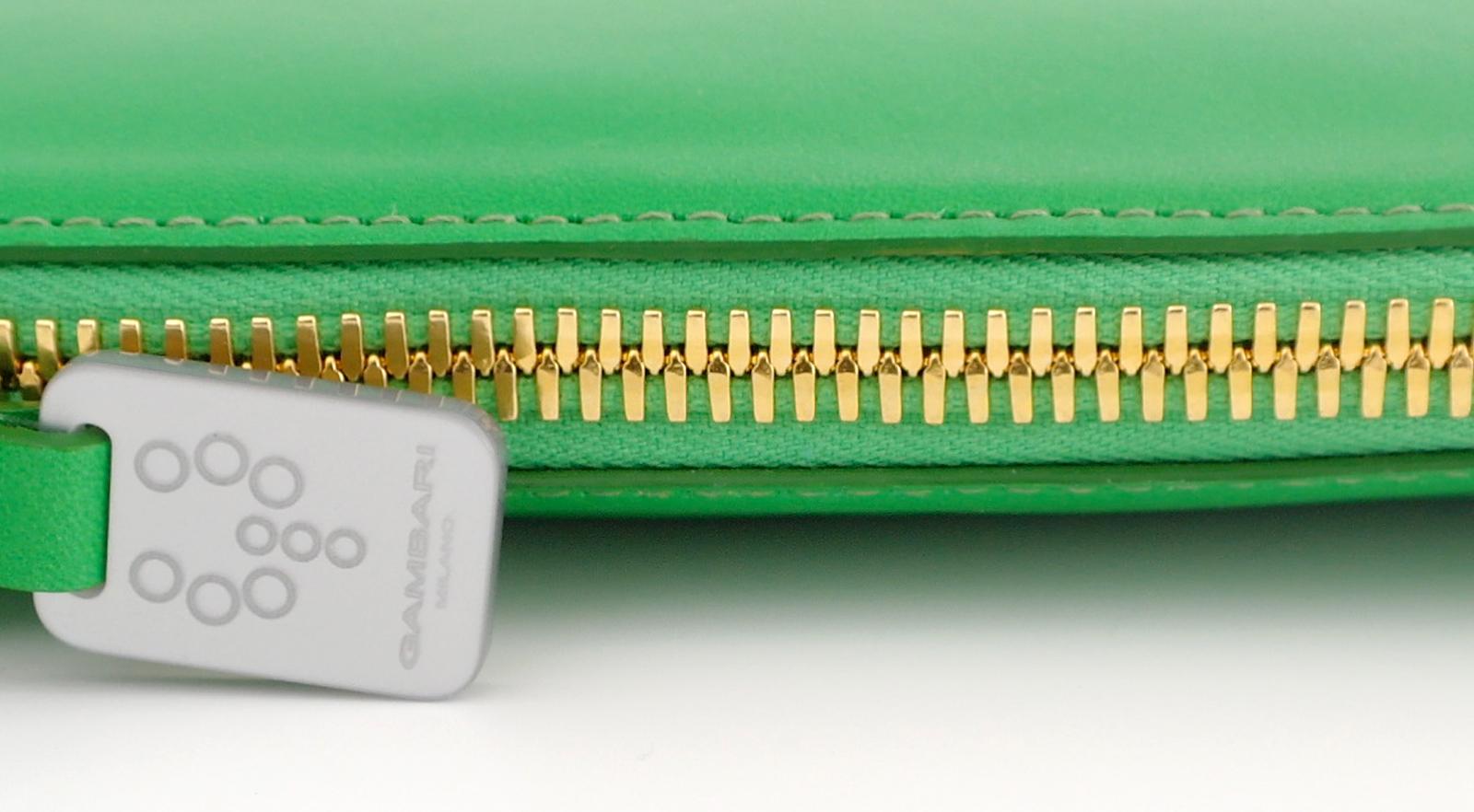 gold zip