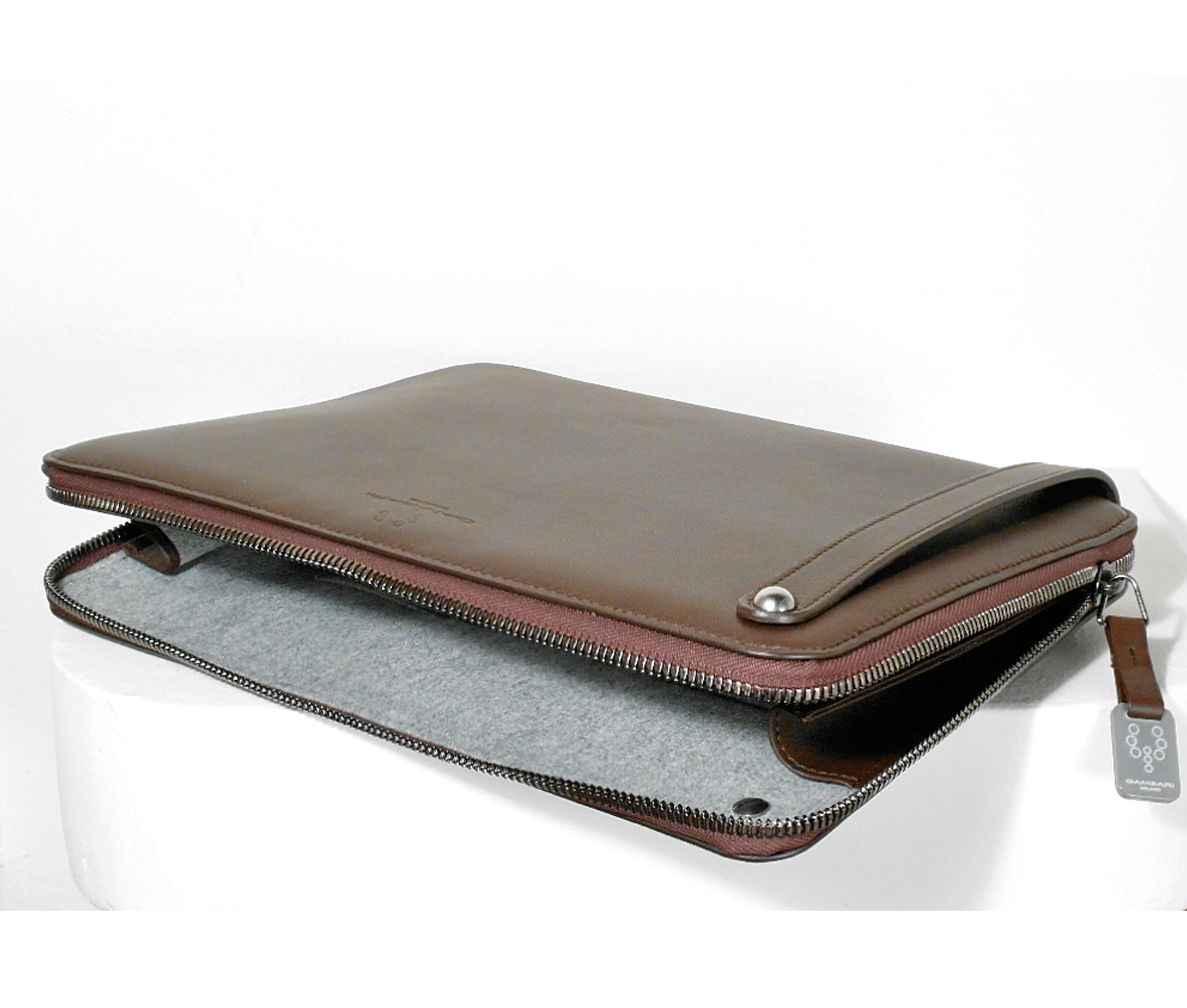 Gambari man clutch for tablet