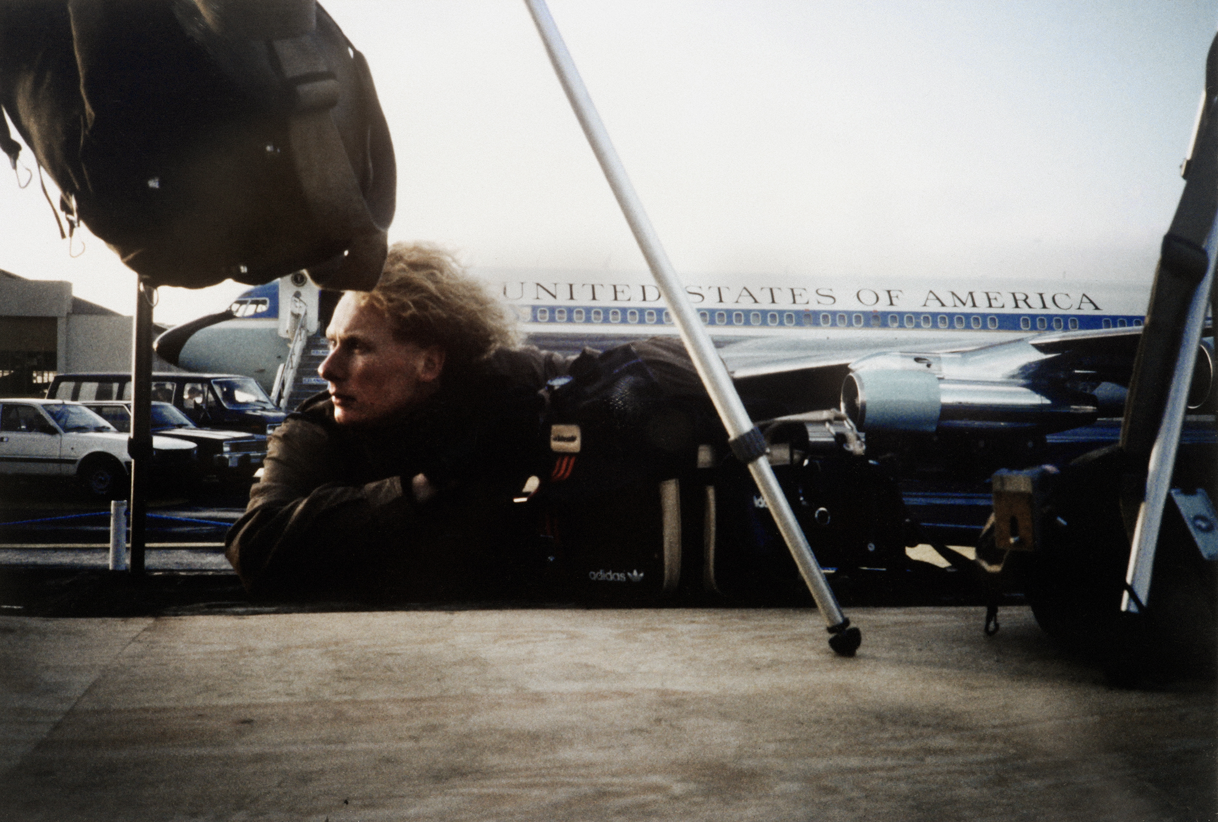 242.PerFronth.AirforceOne.Island.1988.noise.2500px.b.jpg