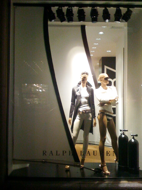 Circle Visual Ralph Lauren Sail Rope Window Display.jpg