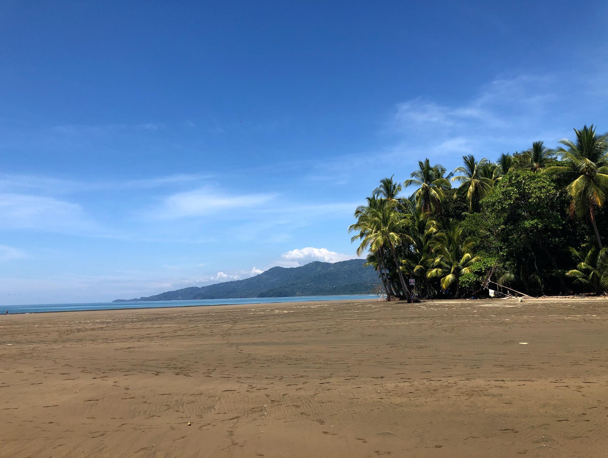 beautiful deserted beaches of costa rica