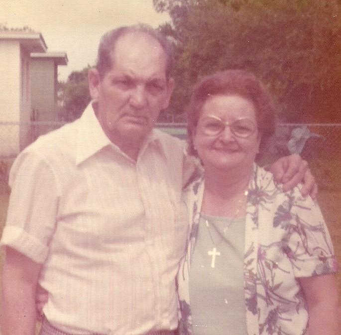 Tia Paulita & Padrino Fam Pics