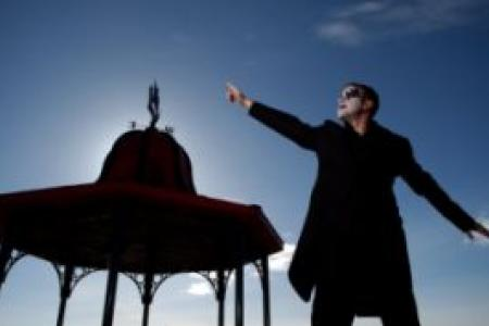 Robbie Williams Tribute3 xsp.co.uk.jpg