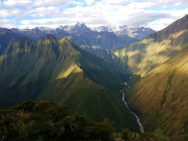 #GoodVibesMonday fellas! From another magical spot @ the #IncaTrail, where the Vilcanota River heads east for just a bit to go around this beautiful mountain before finding its way to #MachuPicchu • • • • • •  #followthepaths #travel #travelgram #hiking #peru #landscape #nativepaths #nofilter #adventure #trip #outdoors #exploring #passionpassport #instatravel #instamood #colorful #wanderlust #wilderness #photooftheday