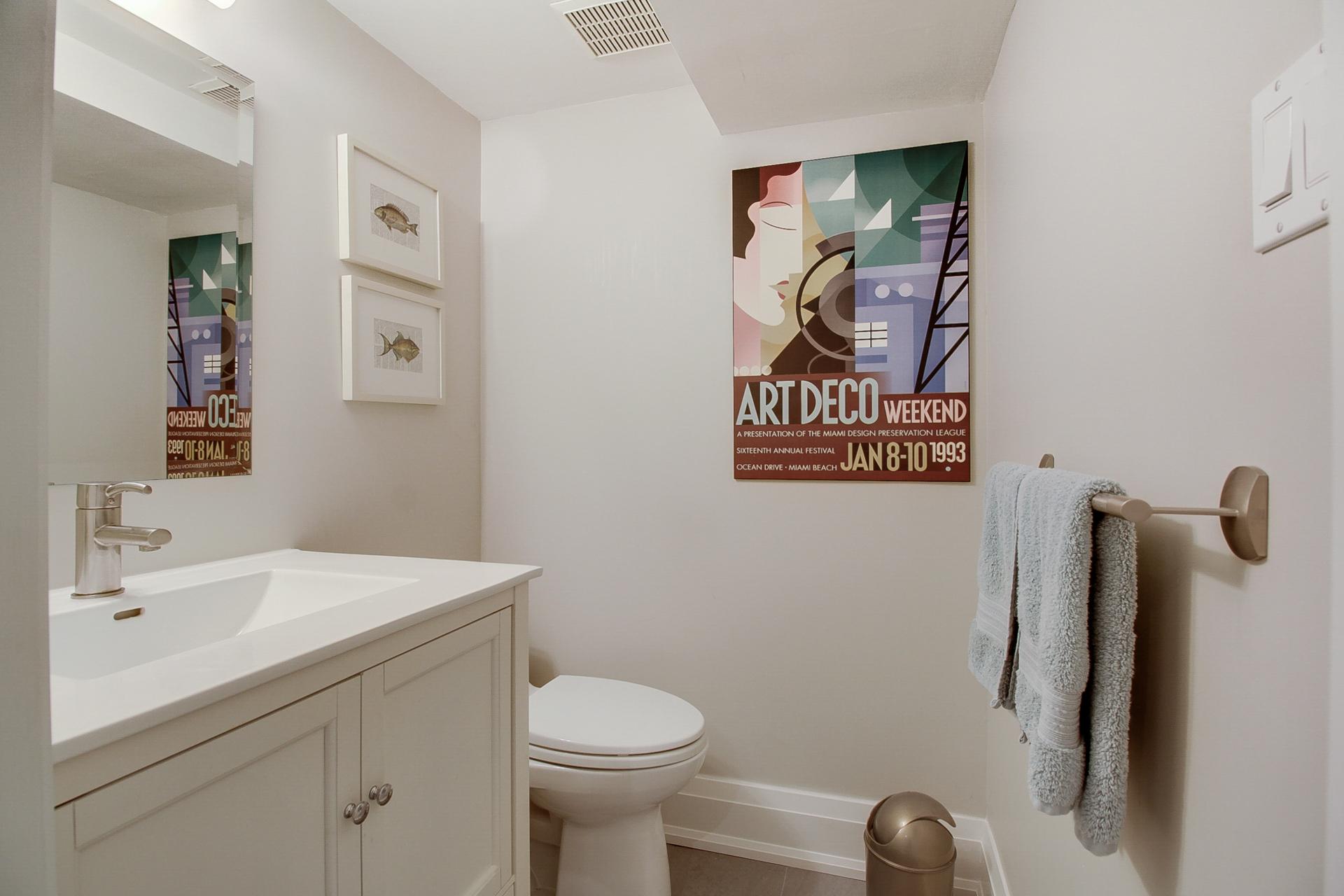 26_bathroom.jpg