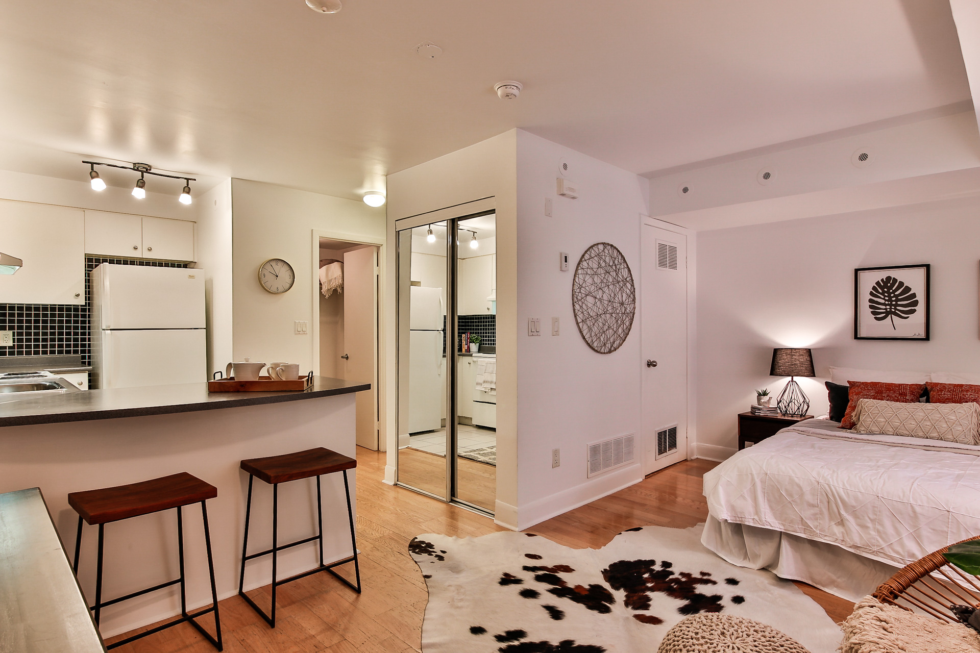 415 Jarvis St #113 - SOLD