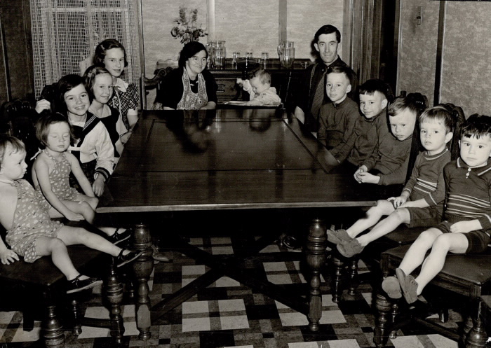 Winning family with 12 children.
