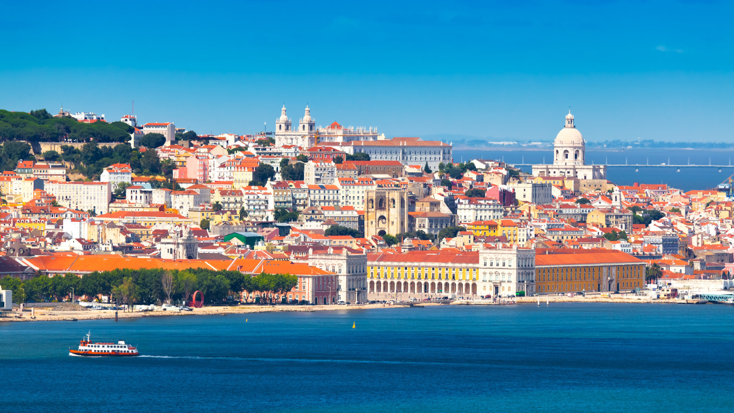 portugal_lisboa_bigstock-Lisbon-Portugal-24167762.jpg