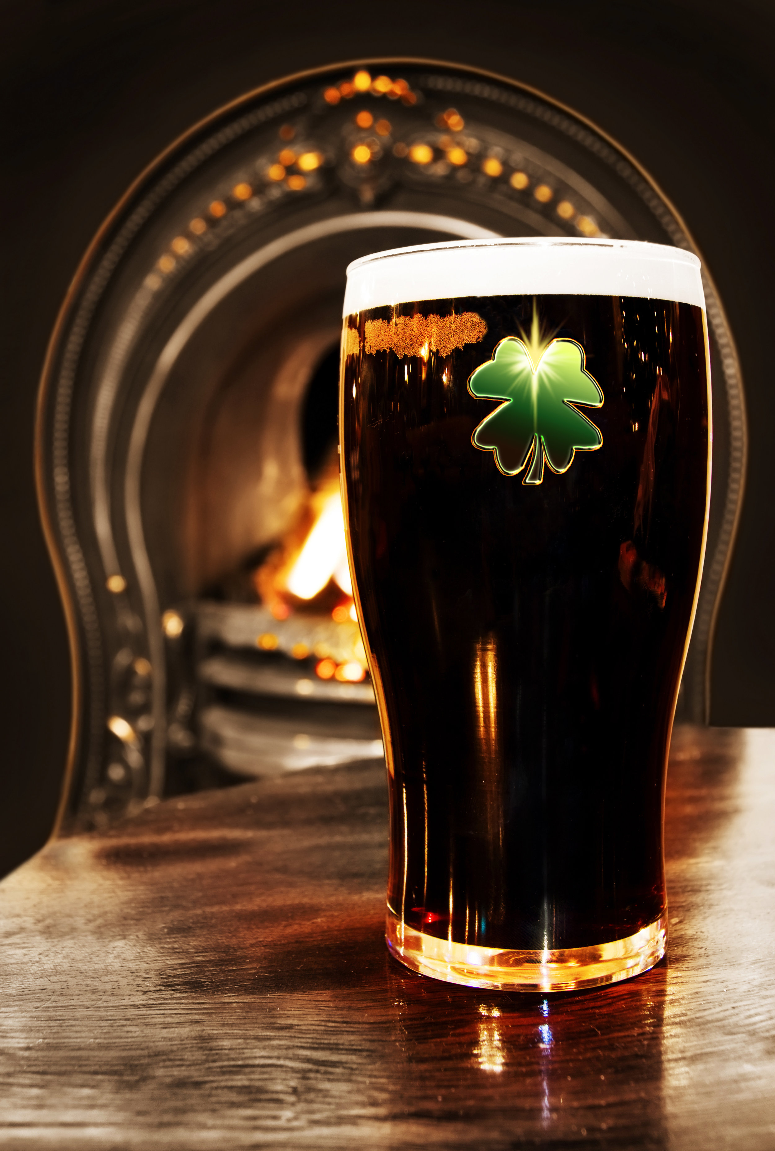 irland_dublin_bigstock-Saint-Patrick-s-Irish-Black-Be-4396990.jpg