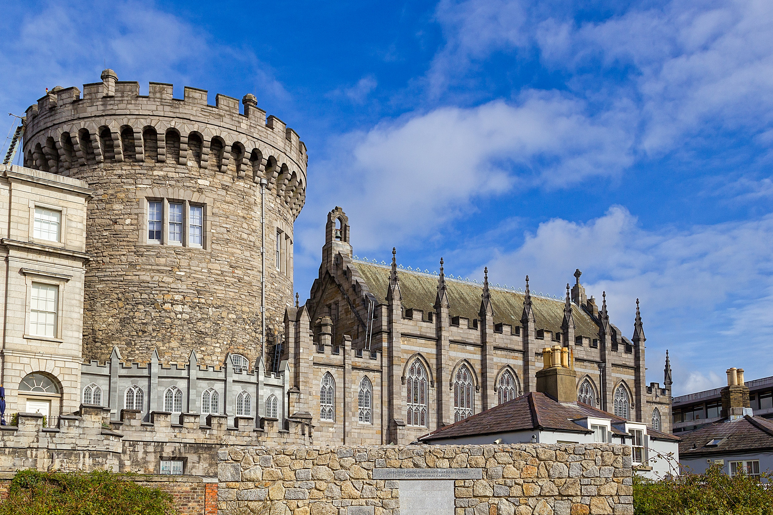 irland_dublin_bigstock-Dublin-Castle-106067342.jpg