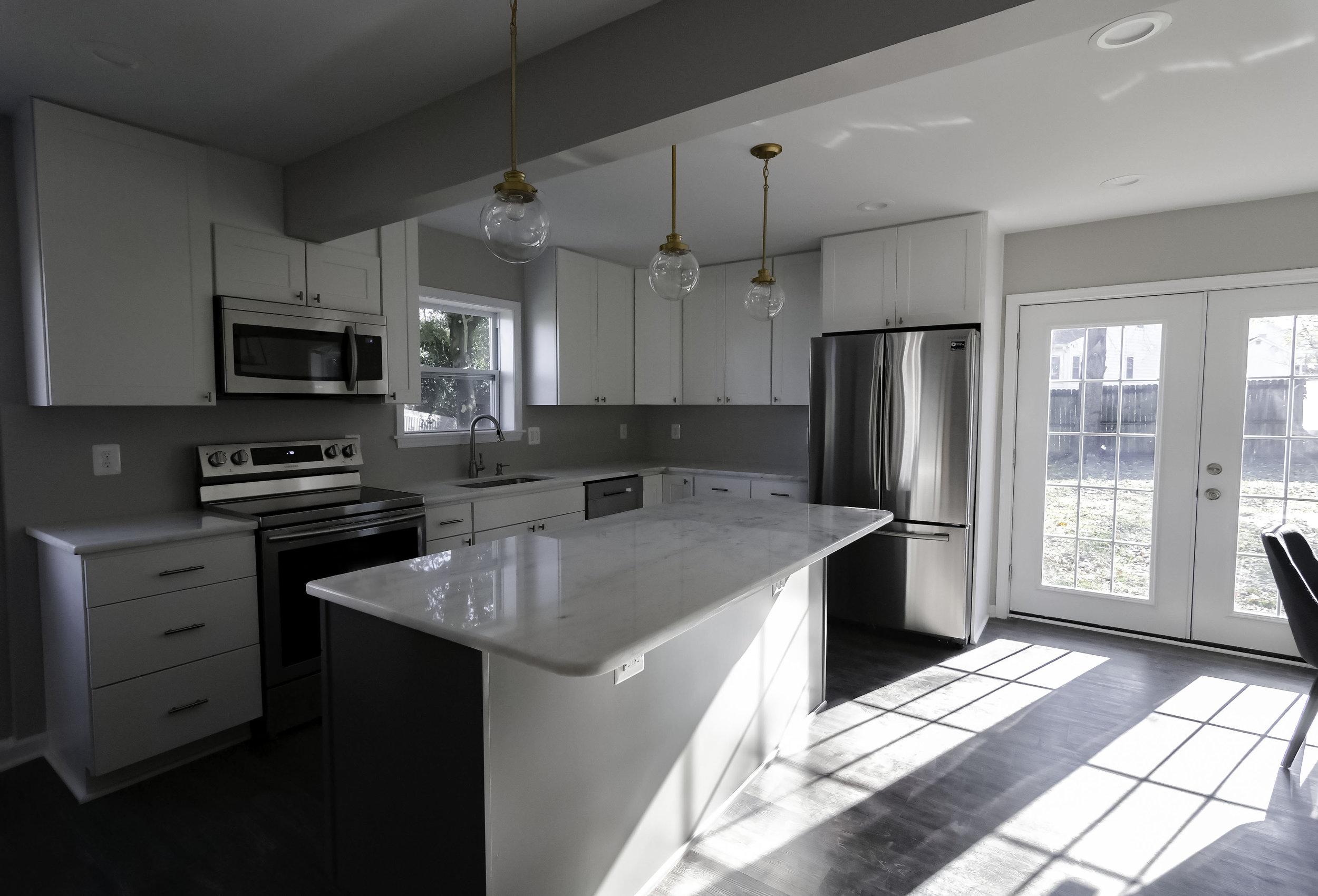 2913 Main kitchen left view edit.jpg