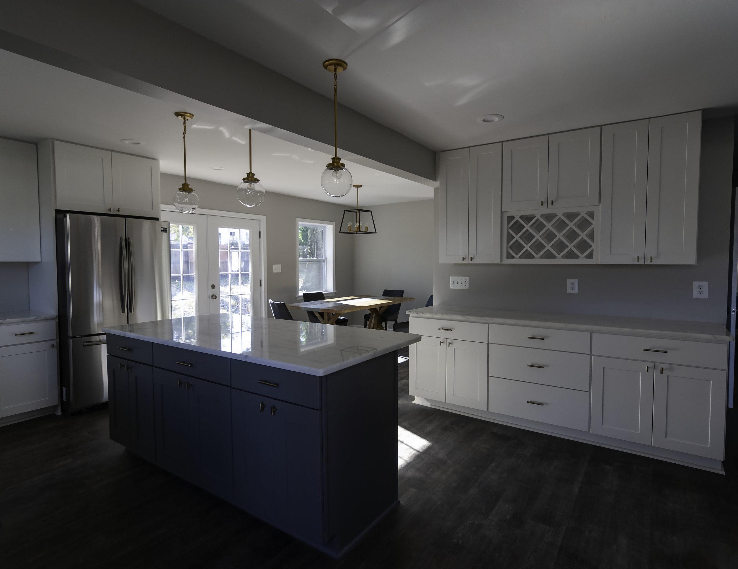 2913 Main kitchen wide right.jpg