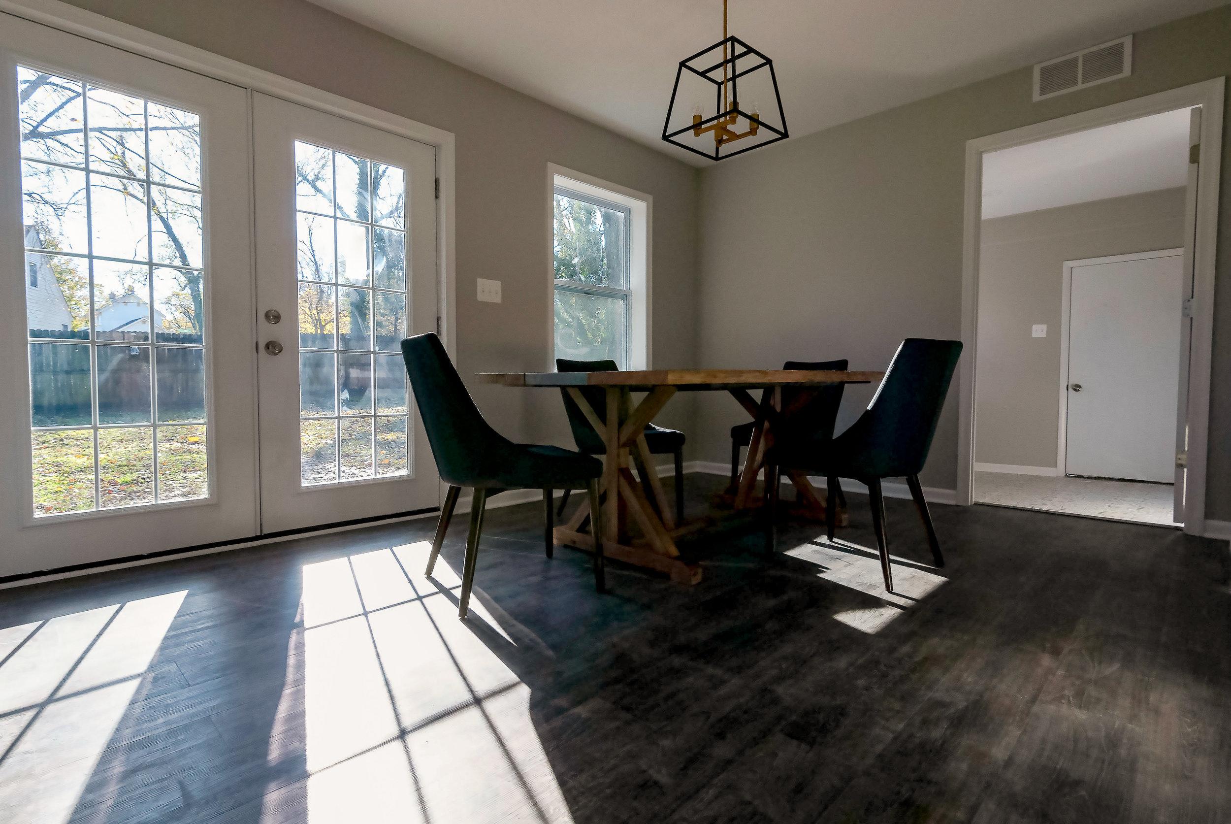 2913 Main kitchen table 2 edit-2.jpg